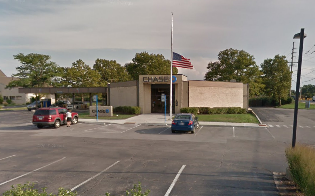 The Chase Bank in the 1600 block of West 45th Street was robbed in Munster, In.