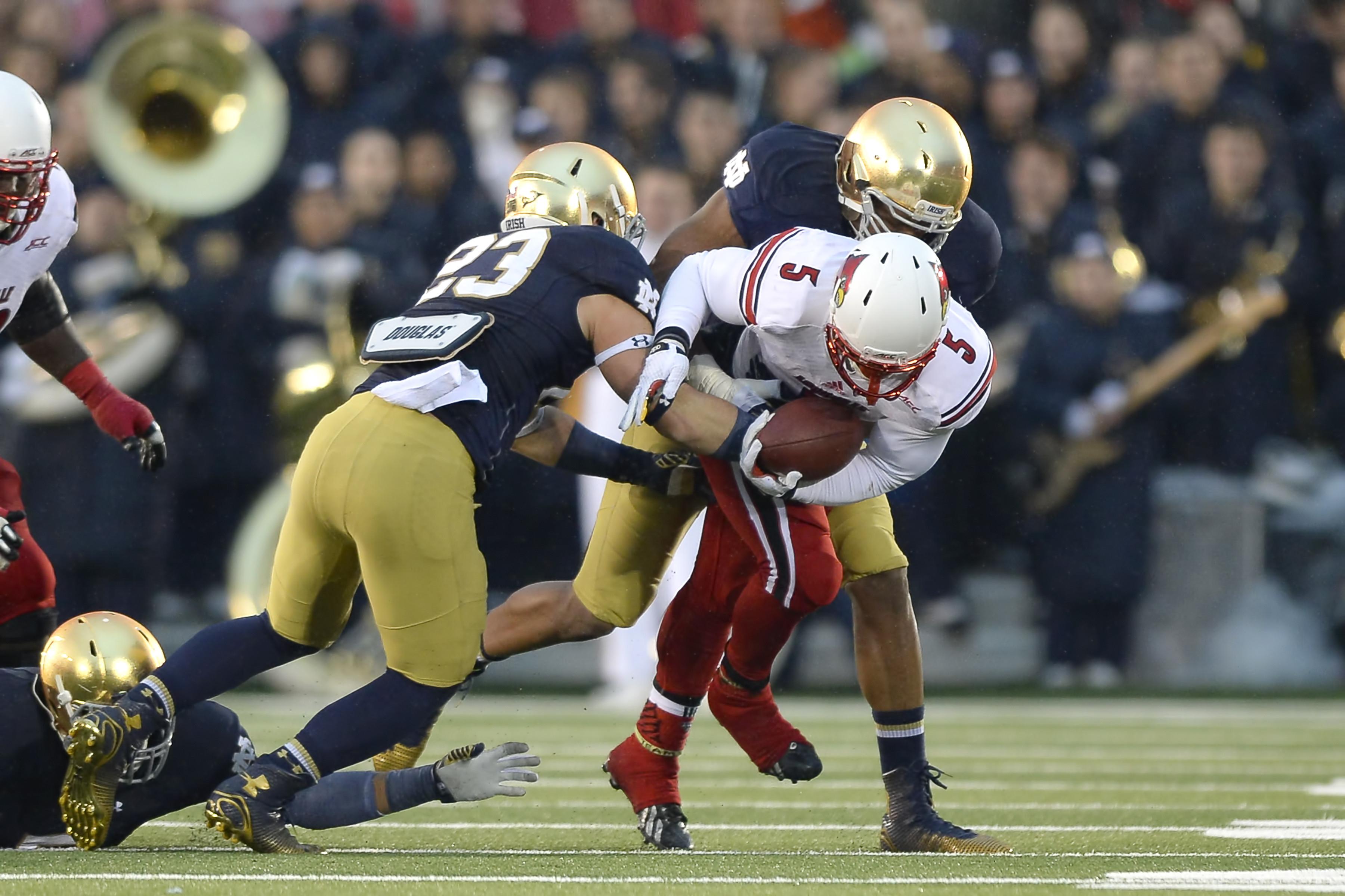 NCAA FOOTBALL: NOV 22 Louisville at Notre Dame