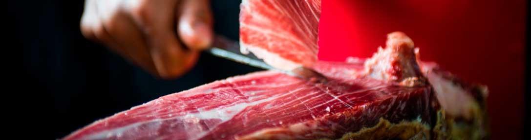 The meat-carving process at EnriqueTomás