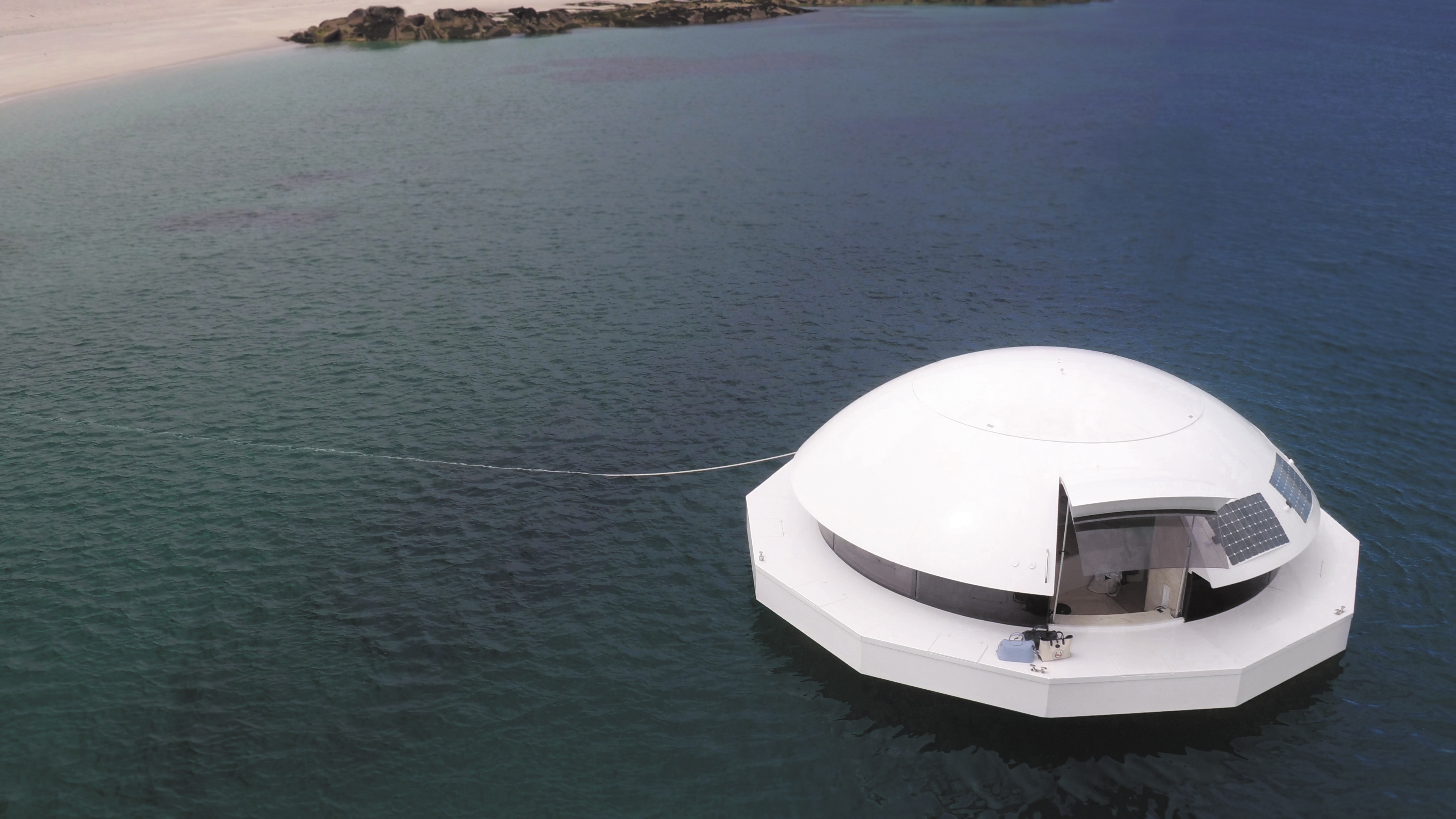 Solar-powered 'floating hotel suite' starts at $535K