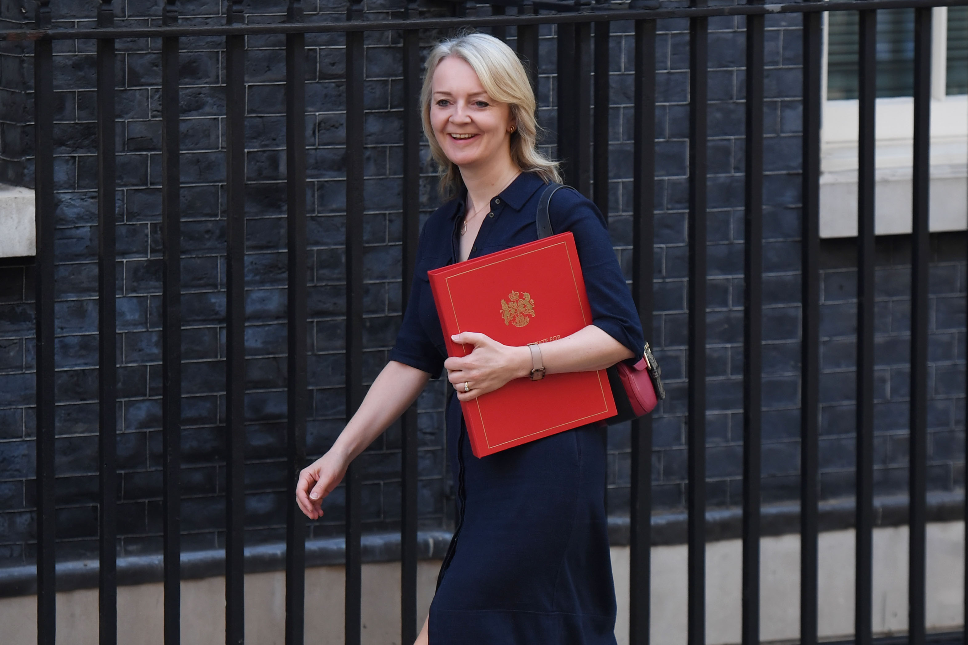 Boris Johnson's Trade Secretary Liz Truss Finally Struck a Deal at Pret a Manger