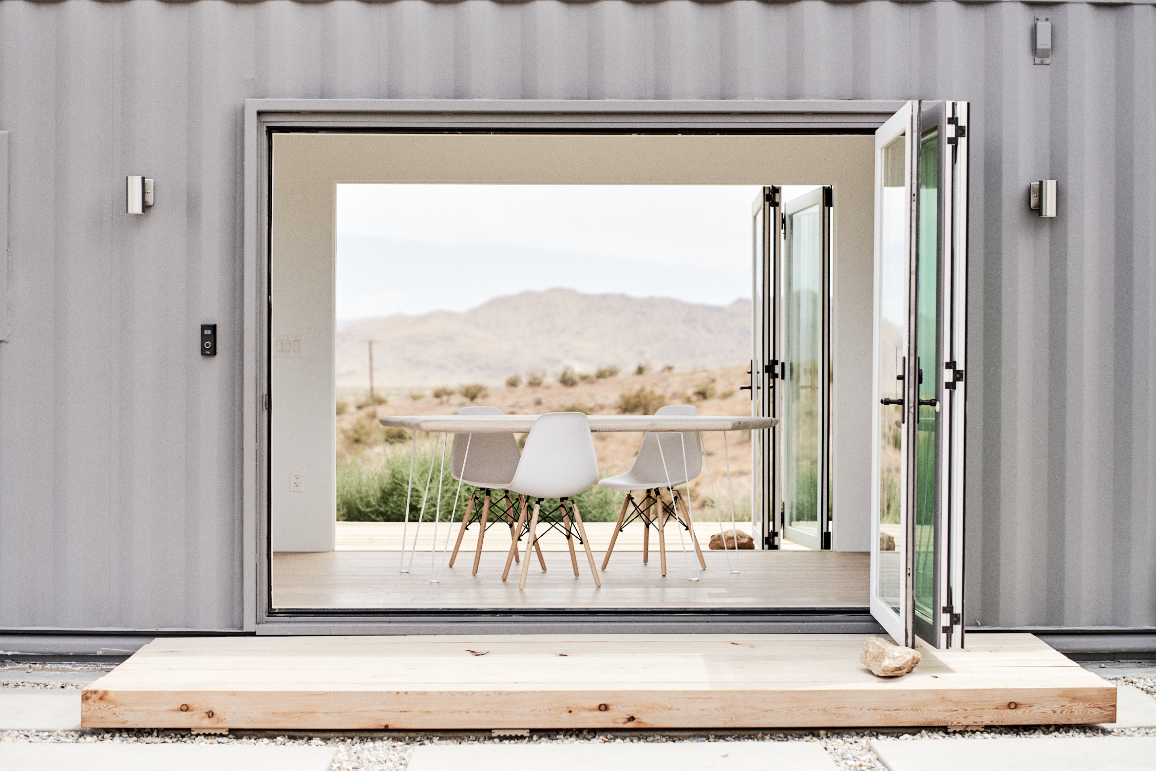 Shipping container house is a light and airy take on desert living