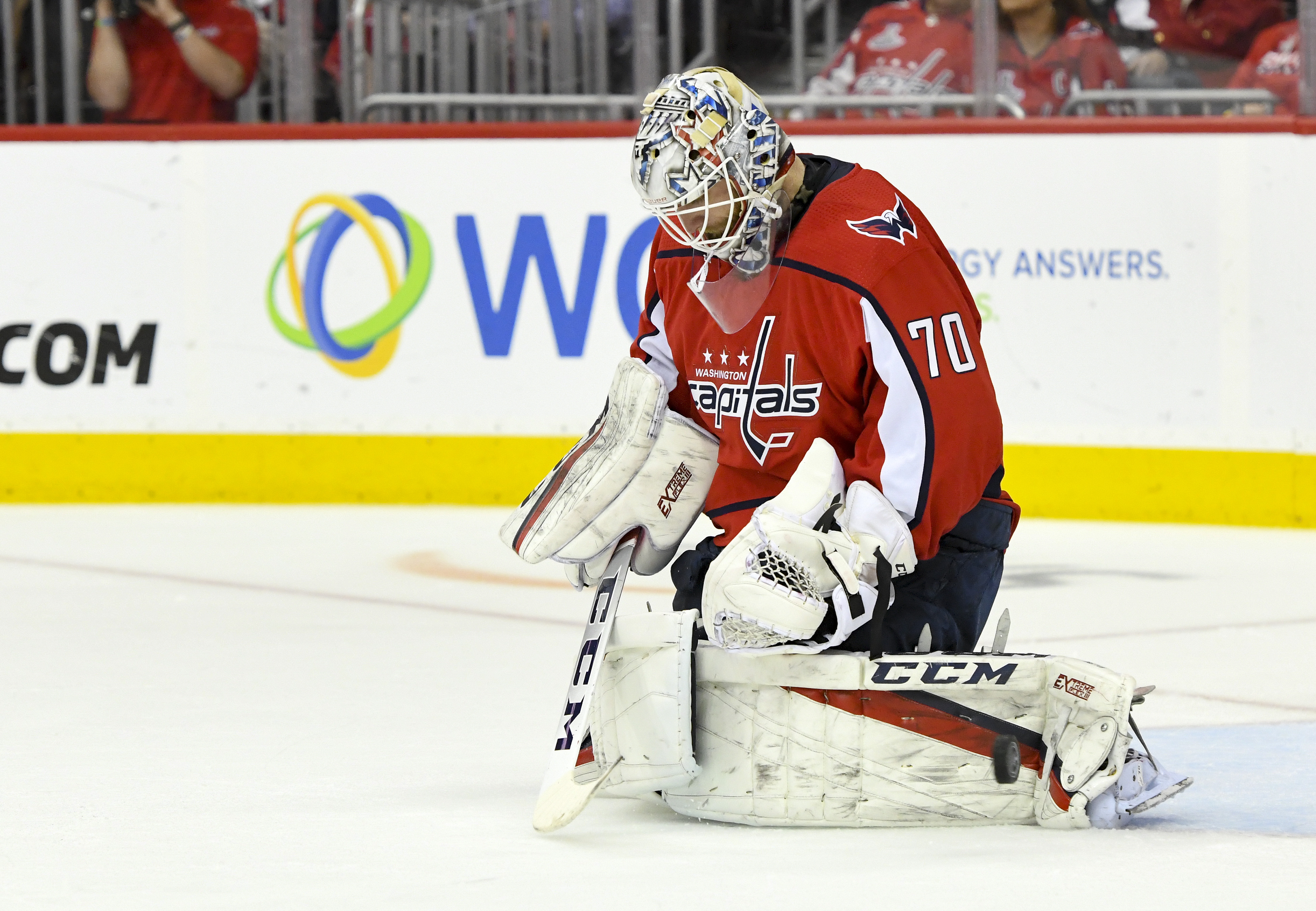NHL: APR 20 Stanley Cup Playoffs First Round - Hurricanes at Capitals