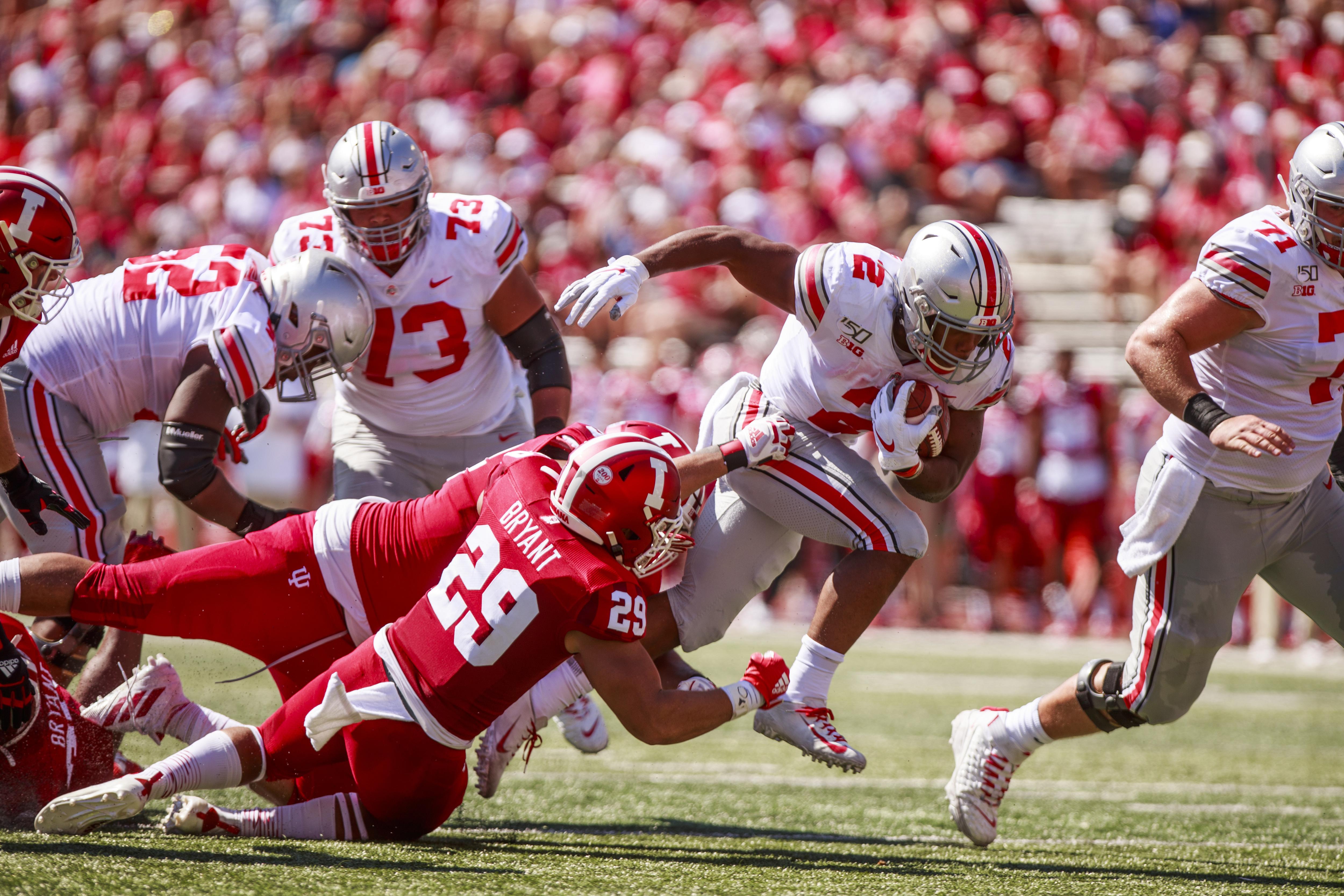 Ohio State's J.K. Dobbins (2) carries the ball against...