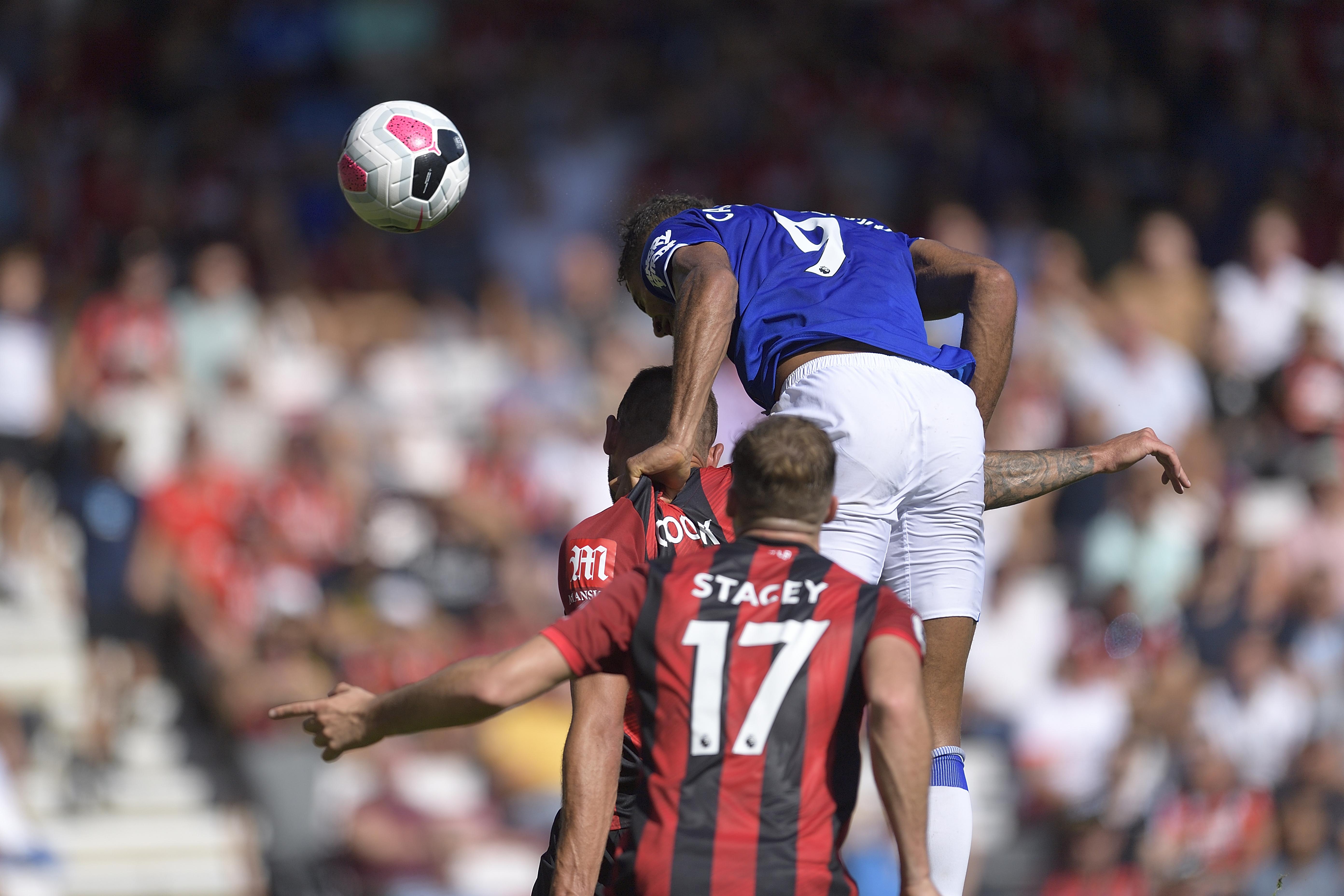 Monday's Toffee Bites: Iwobi talks Everton move, Silva responds to Kean criticism, Delph's frustration