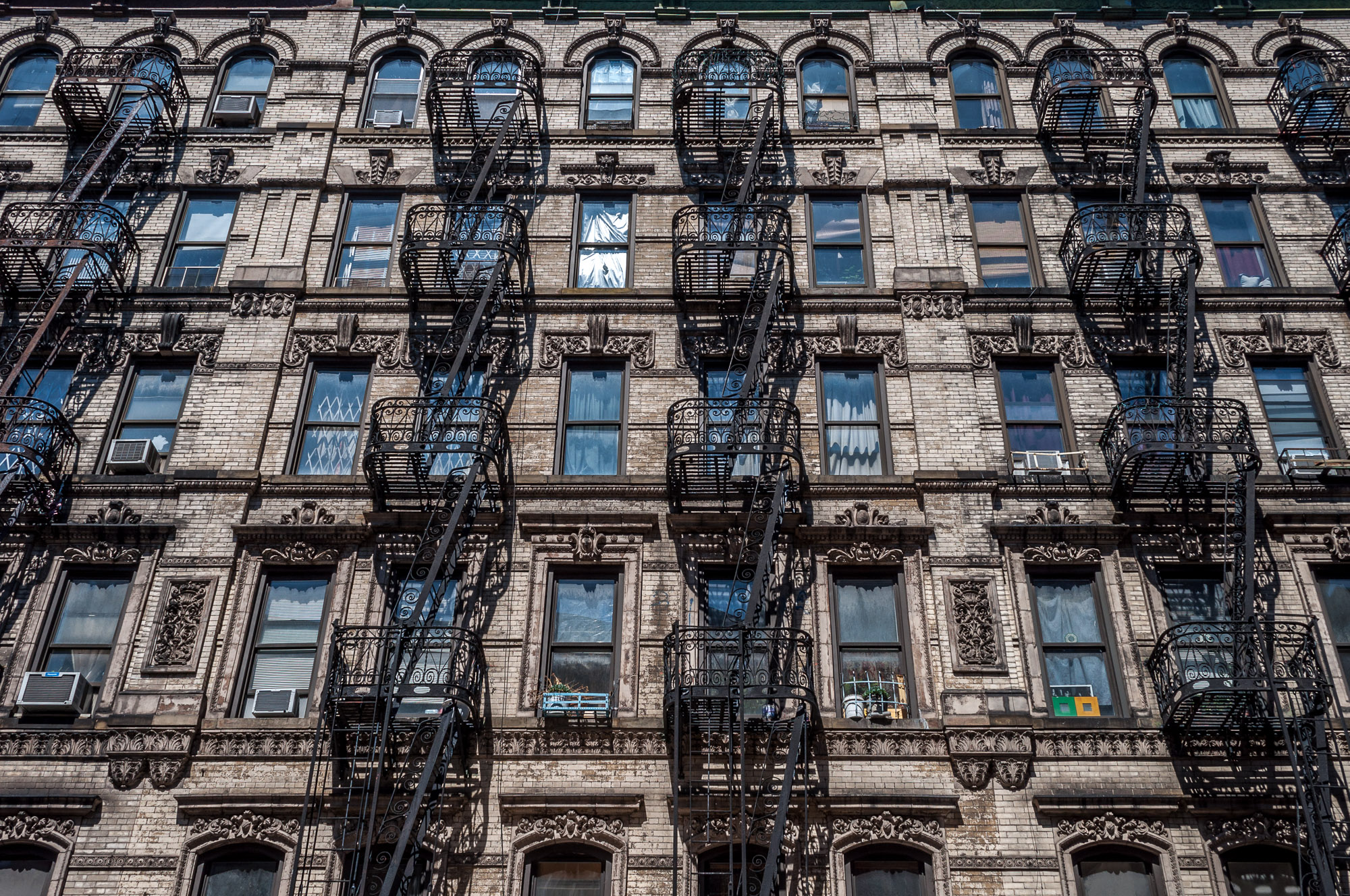 It's official: NYC brokers cannot charge more than $20 for rental applications