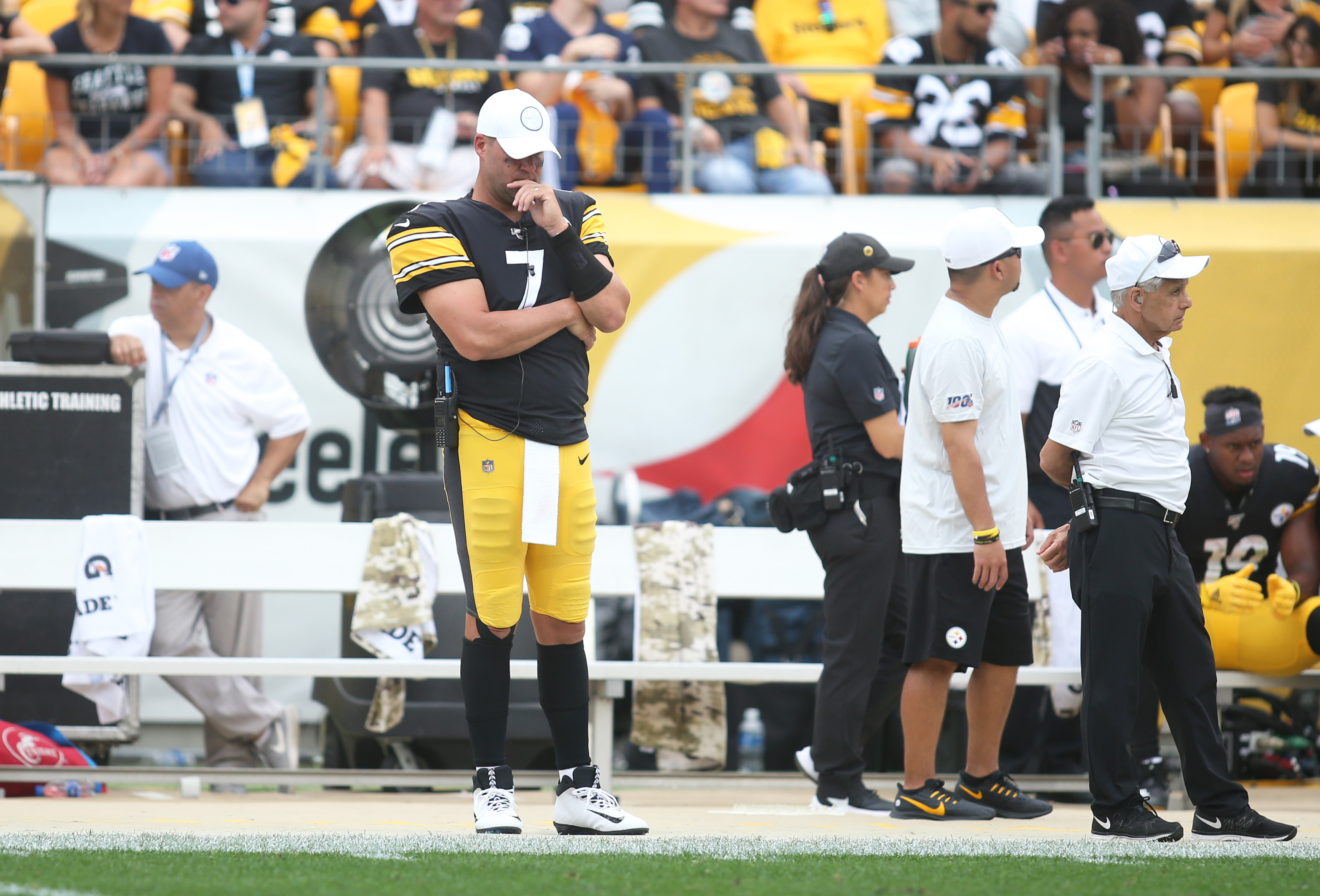 Ben Roethlisberger's injury is only one reason the Steelers are a lost cause this season