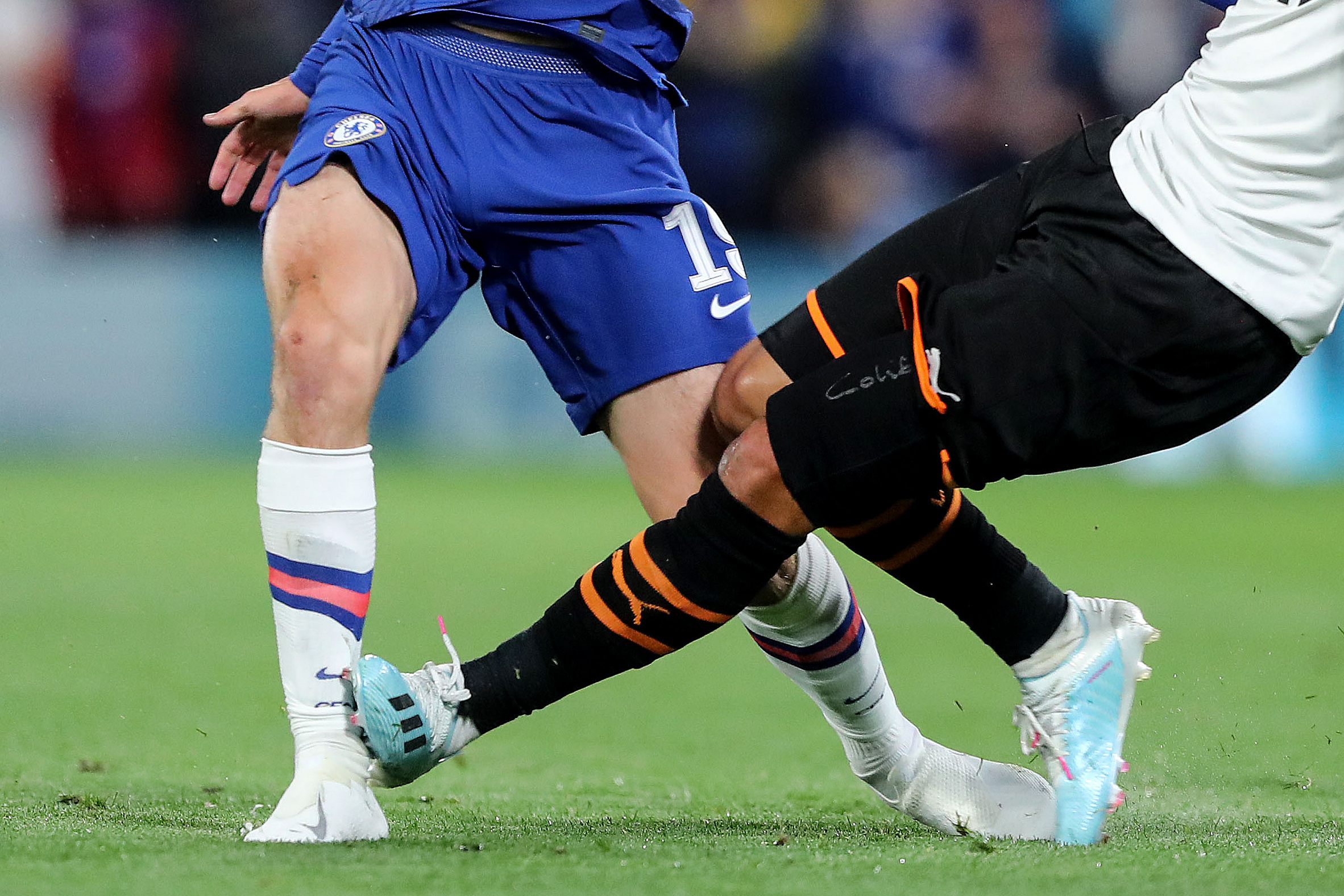 Mount avoids ankle ligament damage after Coquelin horror tackle — report