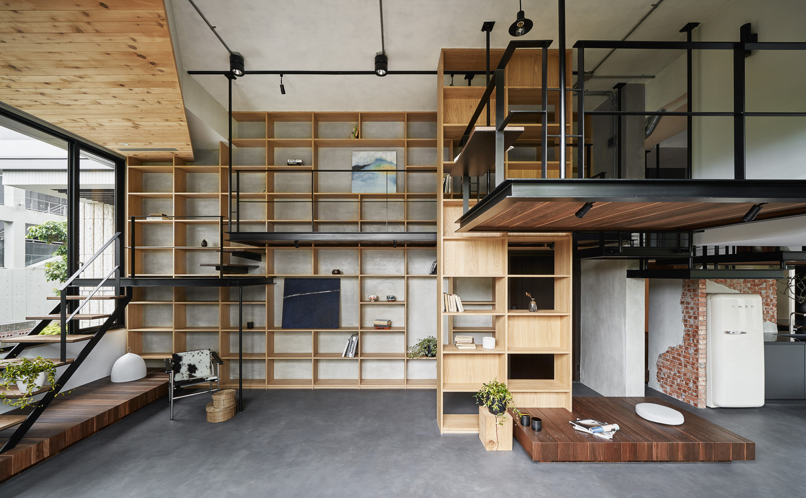 This breezy home feels like an indoor treehouse