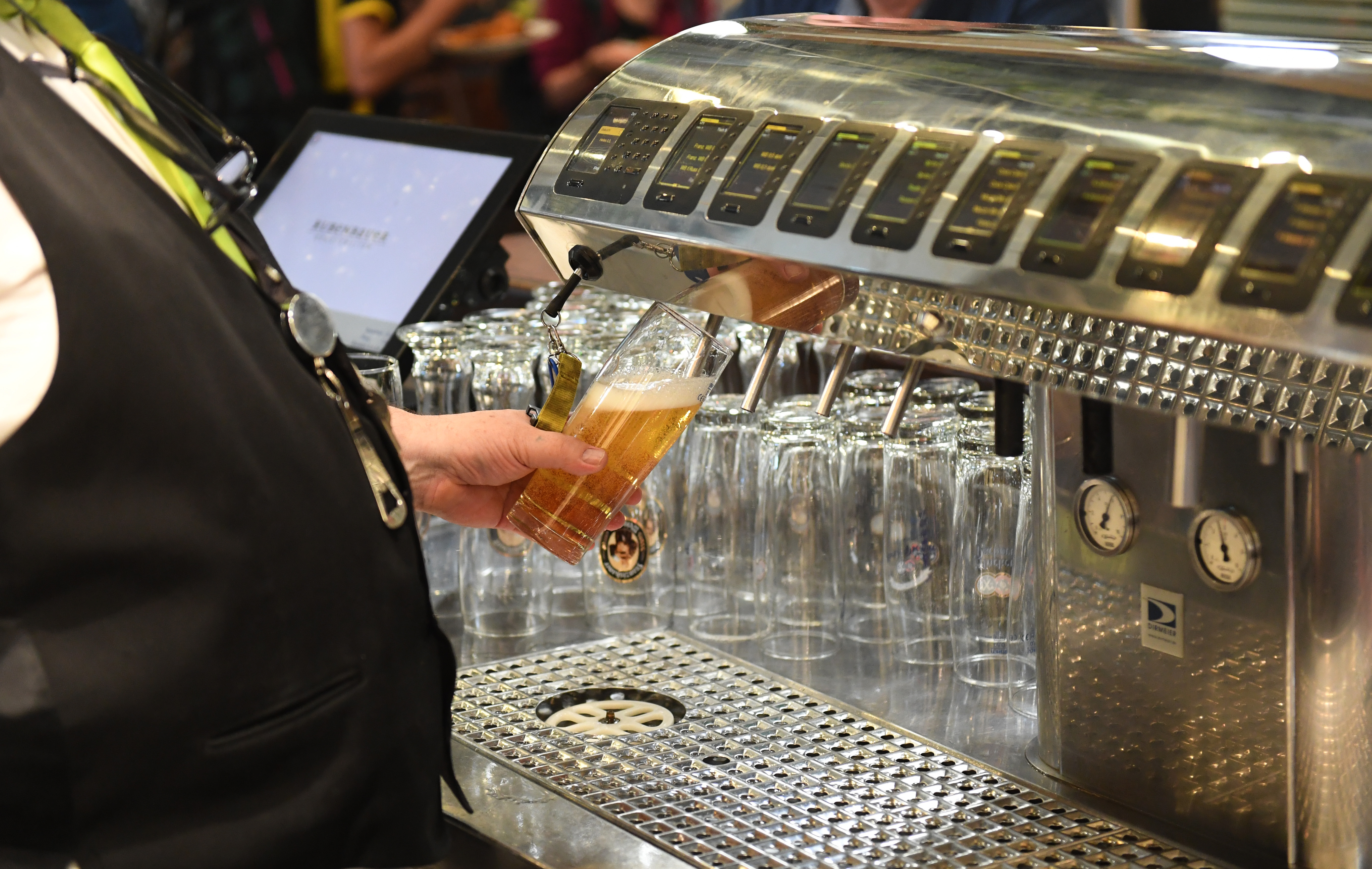 Alcohol ban now in force all day at Munich Central Station