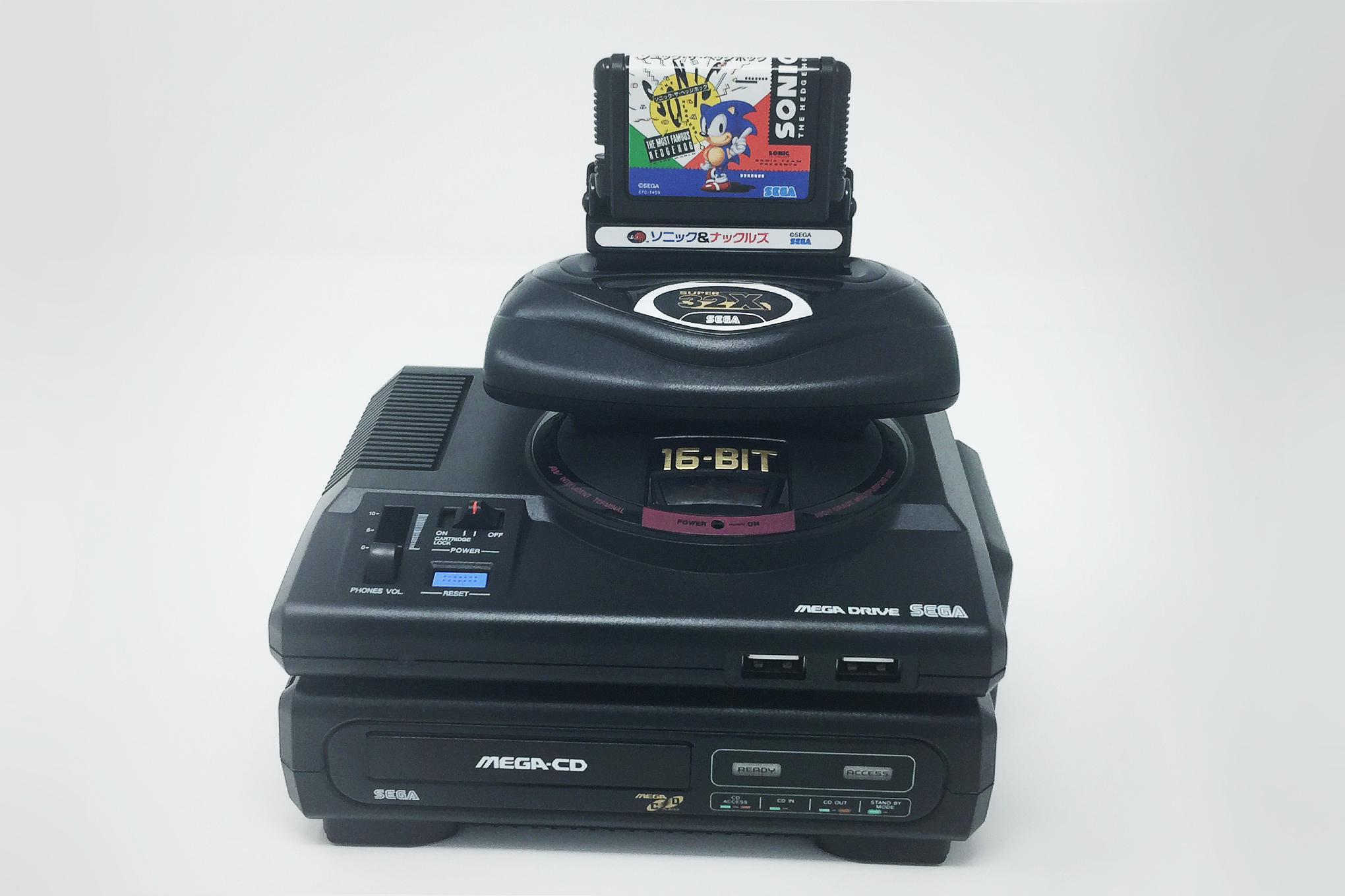 The tower of accessories that comes with the deluxe package of the Mega Drive Mini