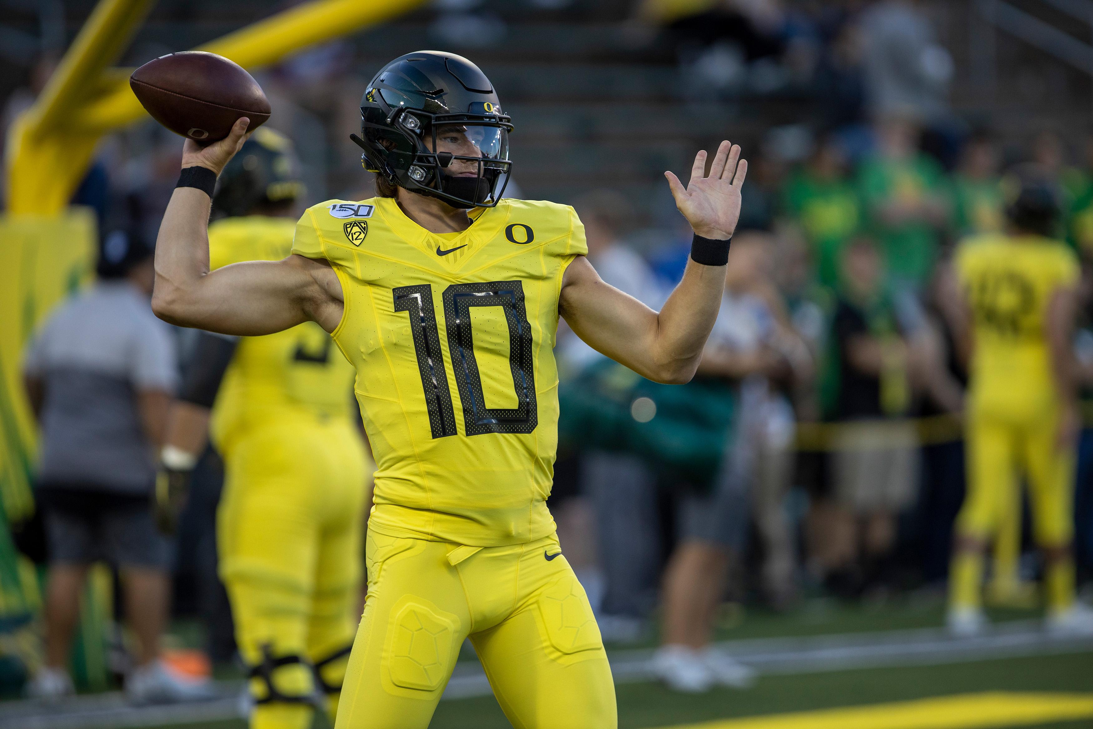 NCAA Football: Montana at Oregon
