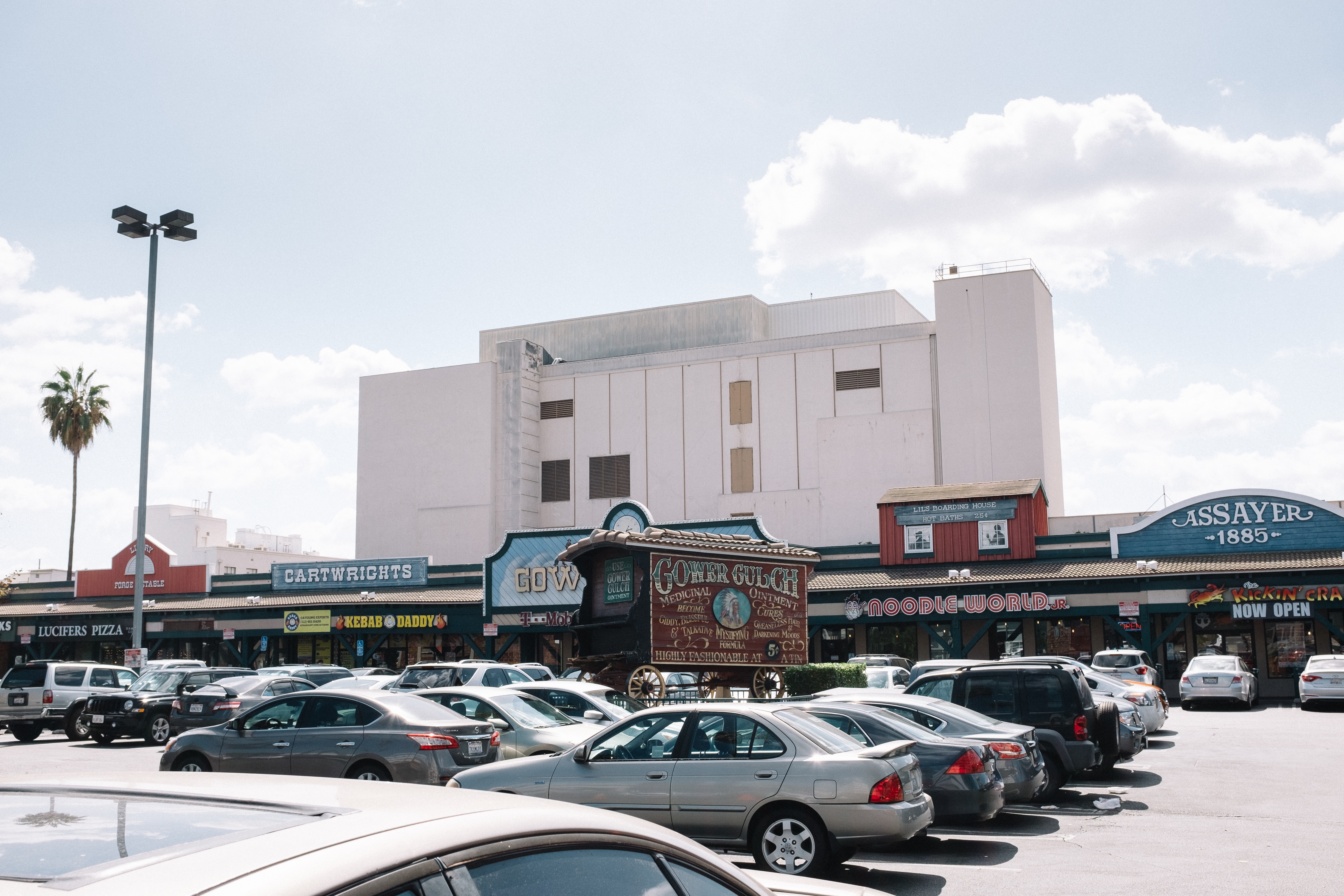 How LA became the land of strip malls