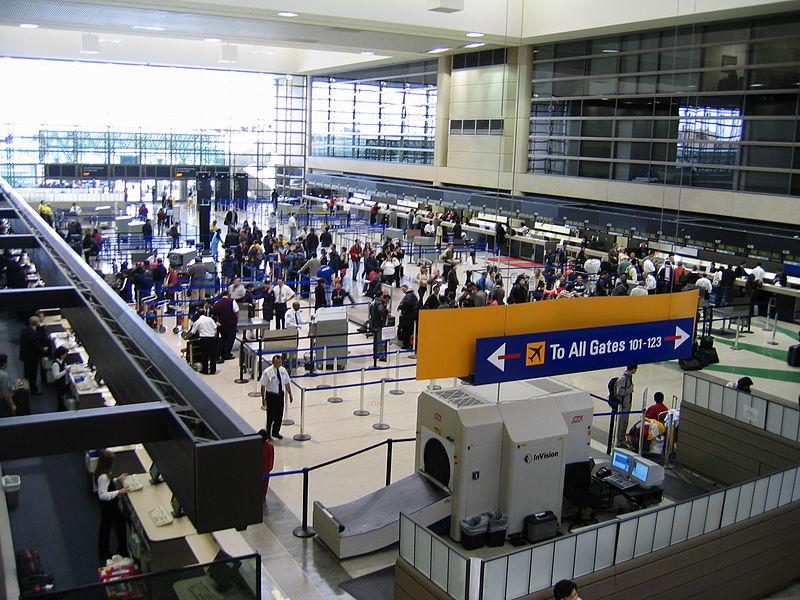 LAX international lobby (wikimedia)