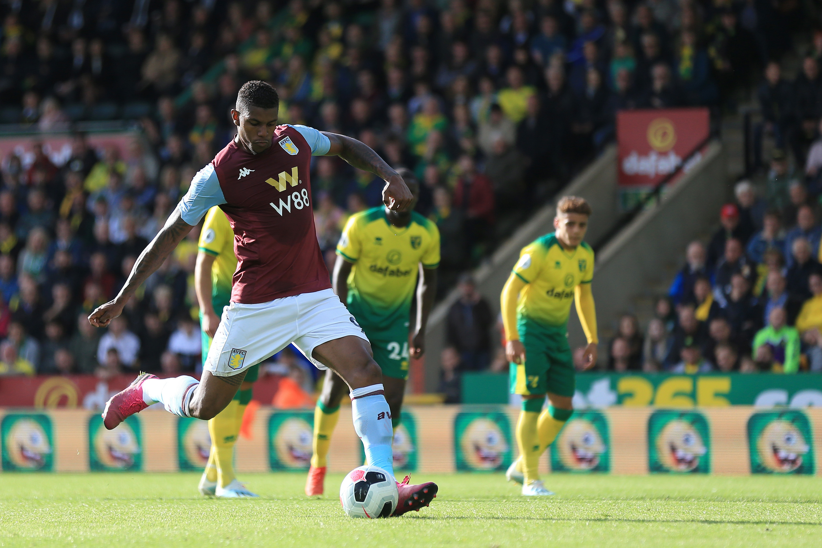 Norwich City v Aston Villa - Premier League