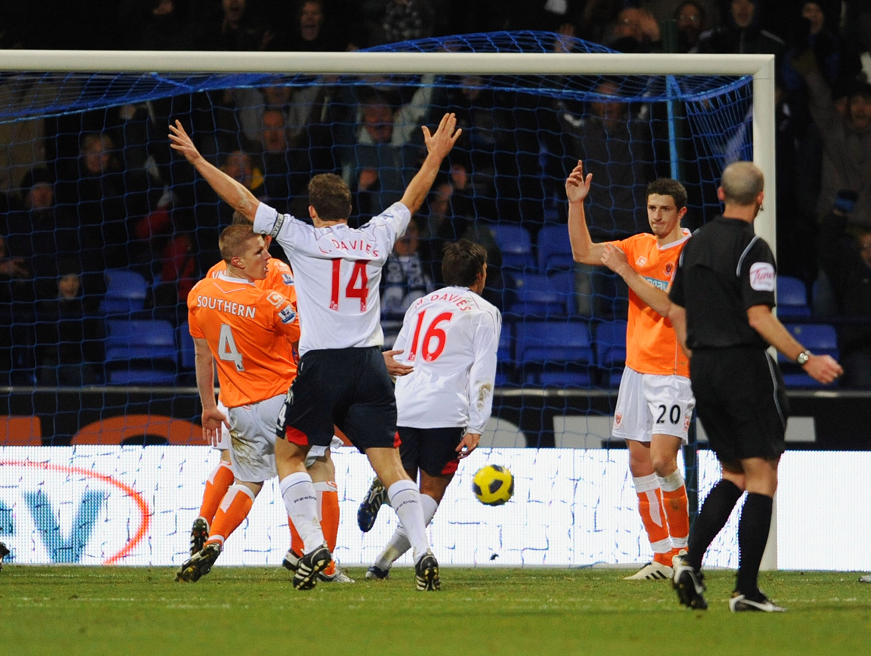 Bolton Wanderers v Blackpool - Premier League