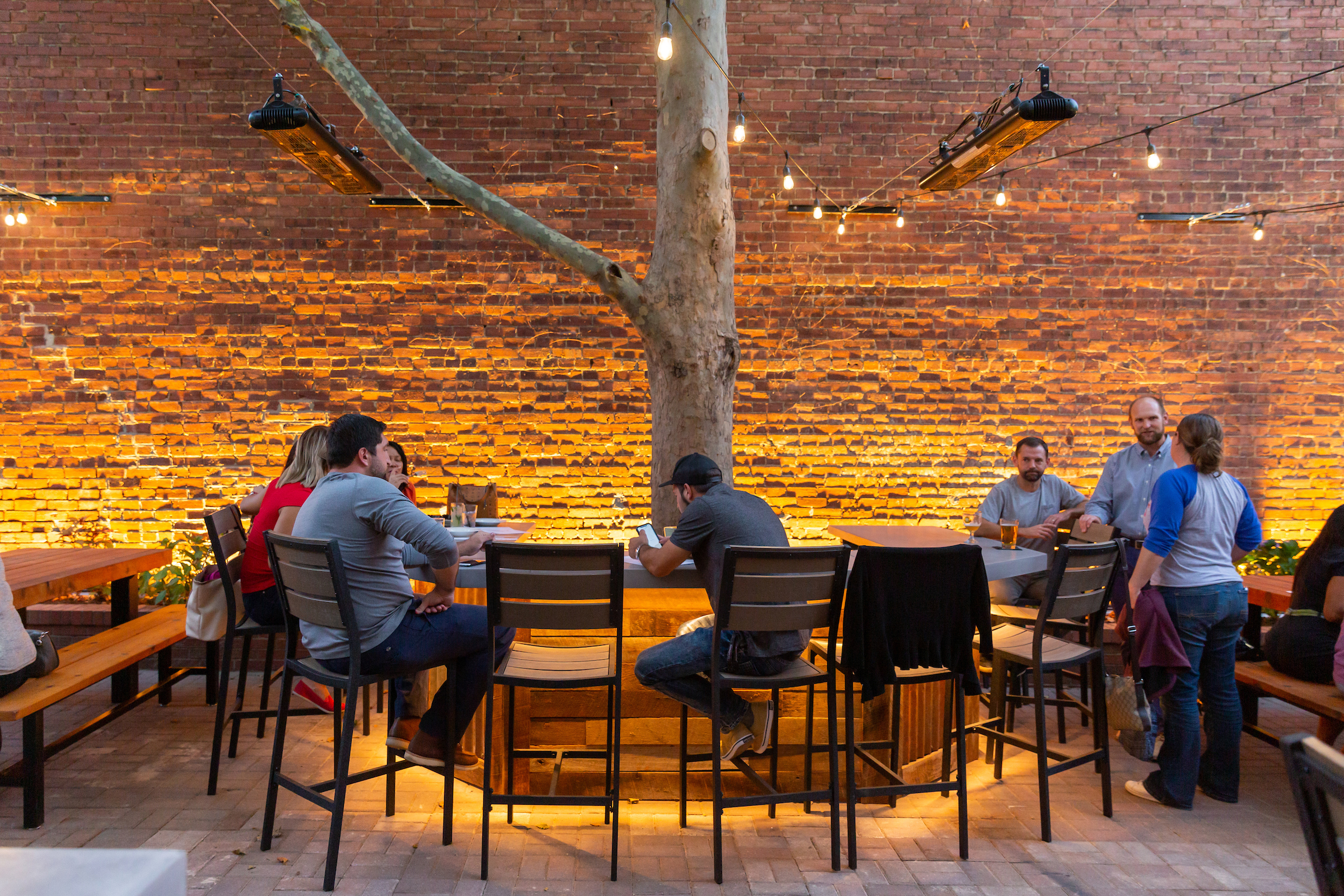 A Reborn Mussel House With a Huge Heated Patio Opens in Old Town