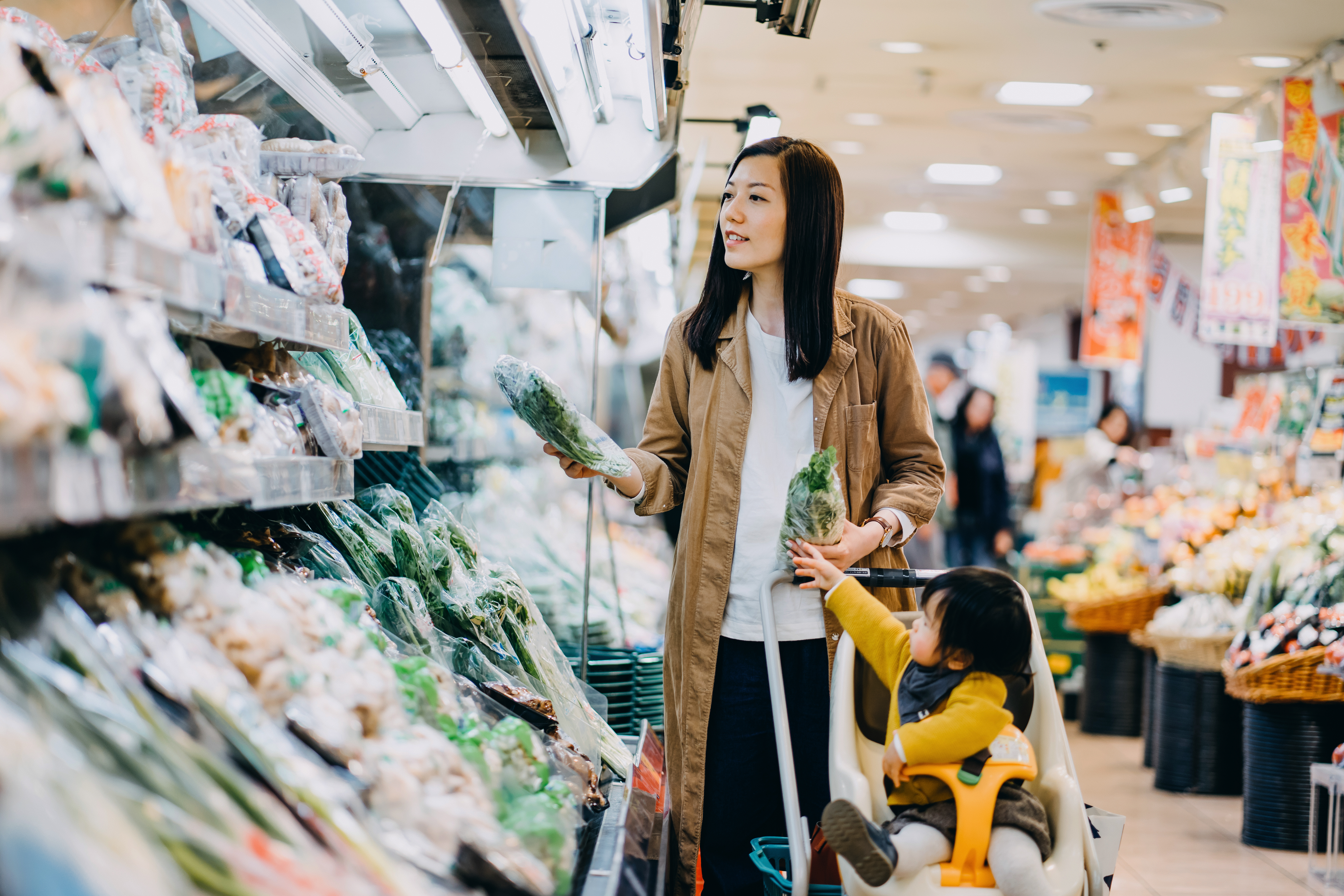 Plastic waste is everywhere in grocery stores. Can they cut down?