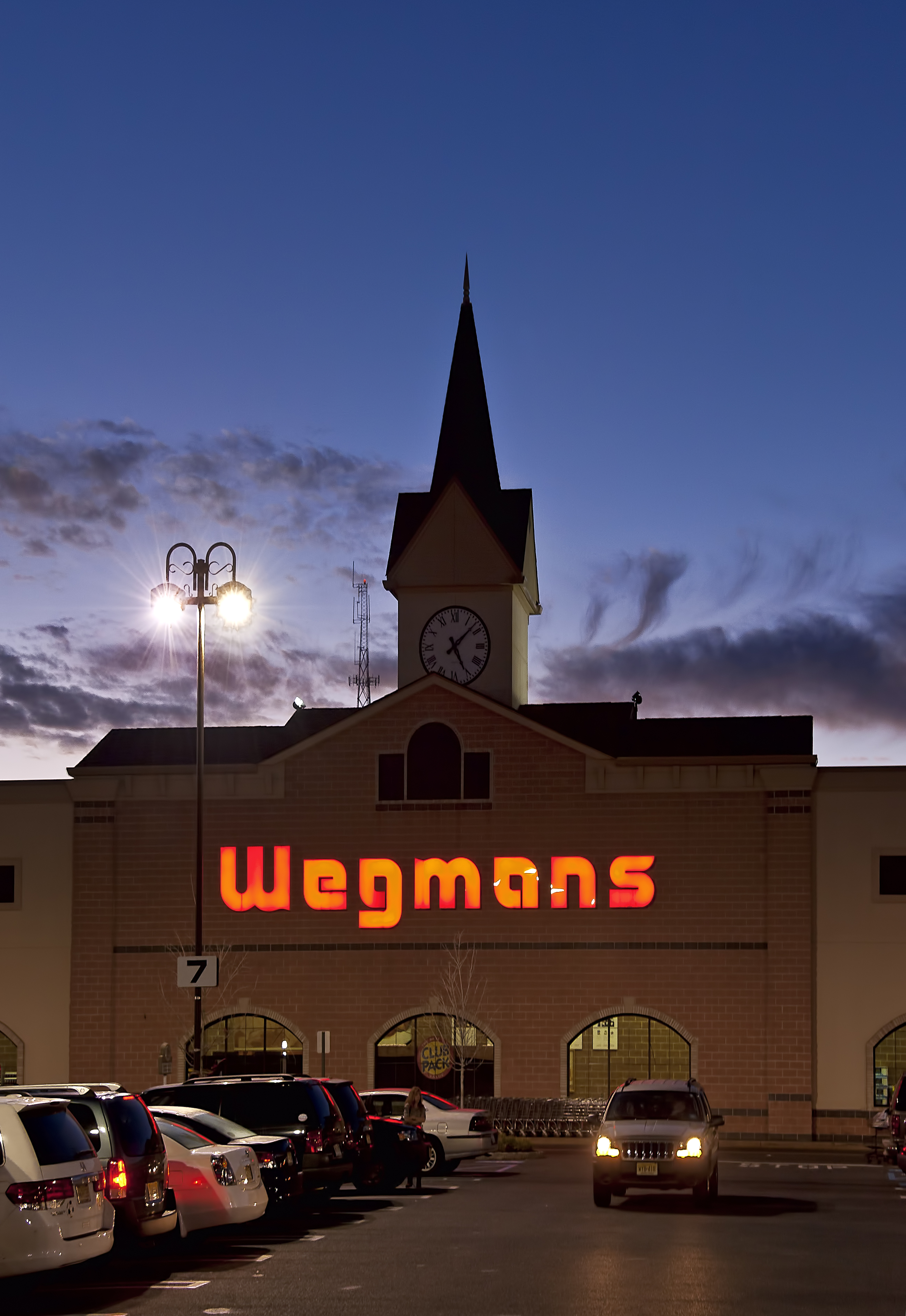 Bronx Shopper Accuses Wegmans of Selling Fake Vanilla Ice Cream in New Lawsuit