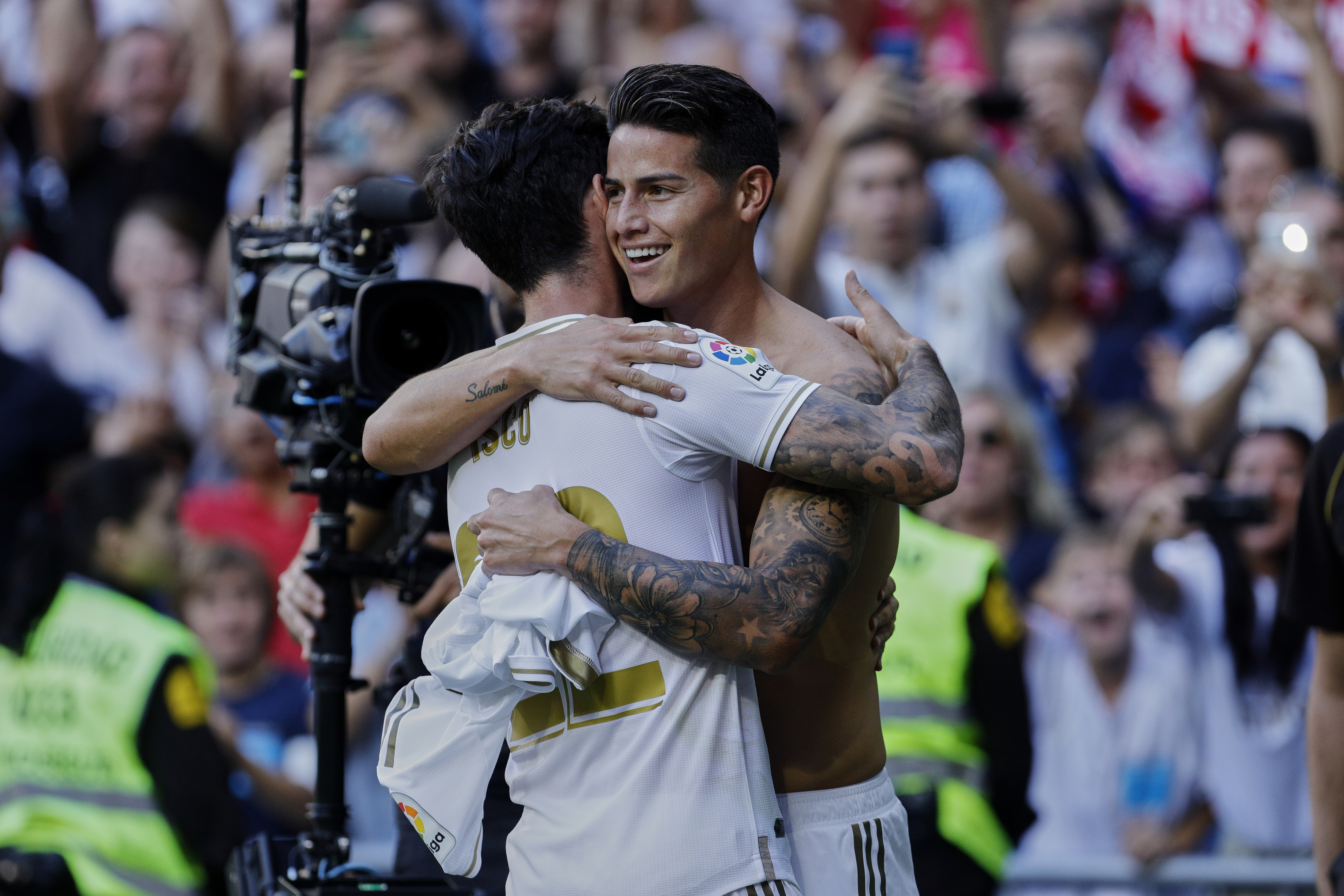 Francisco Alarcon 'Isco' (L) and James Rodriguez (R) of Real...