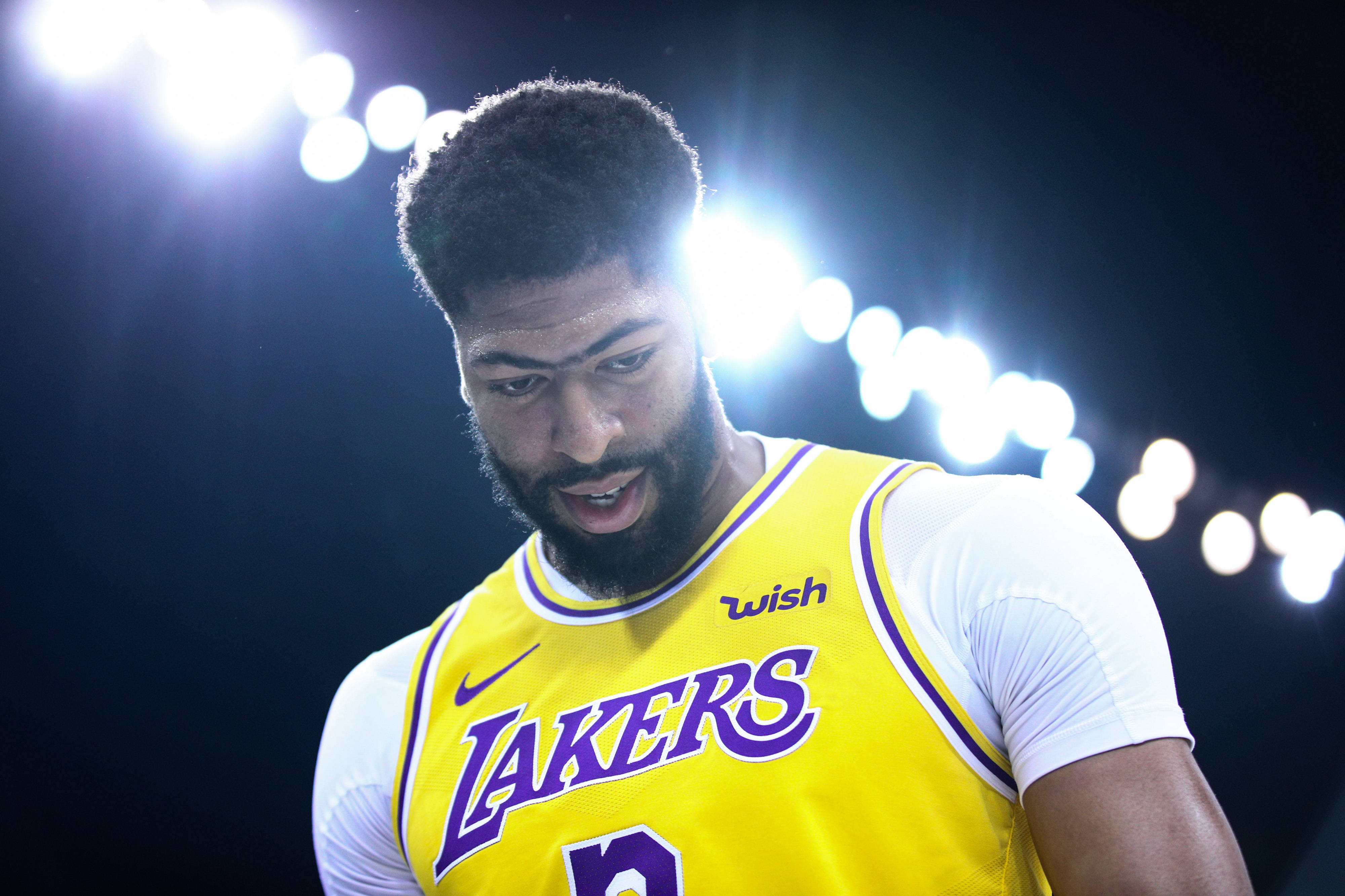 The Lakers can't afford injuries to LeBron or Anthony Davis. Welp.