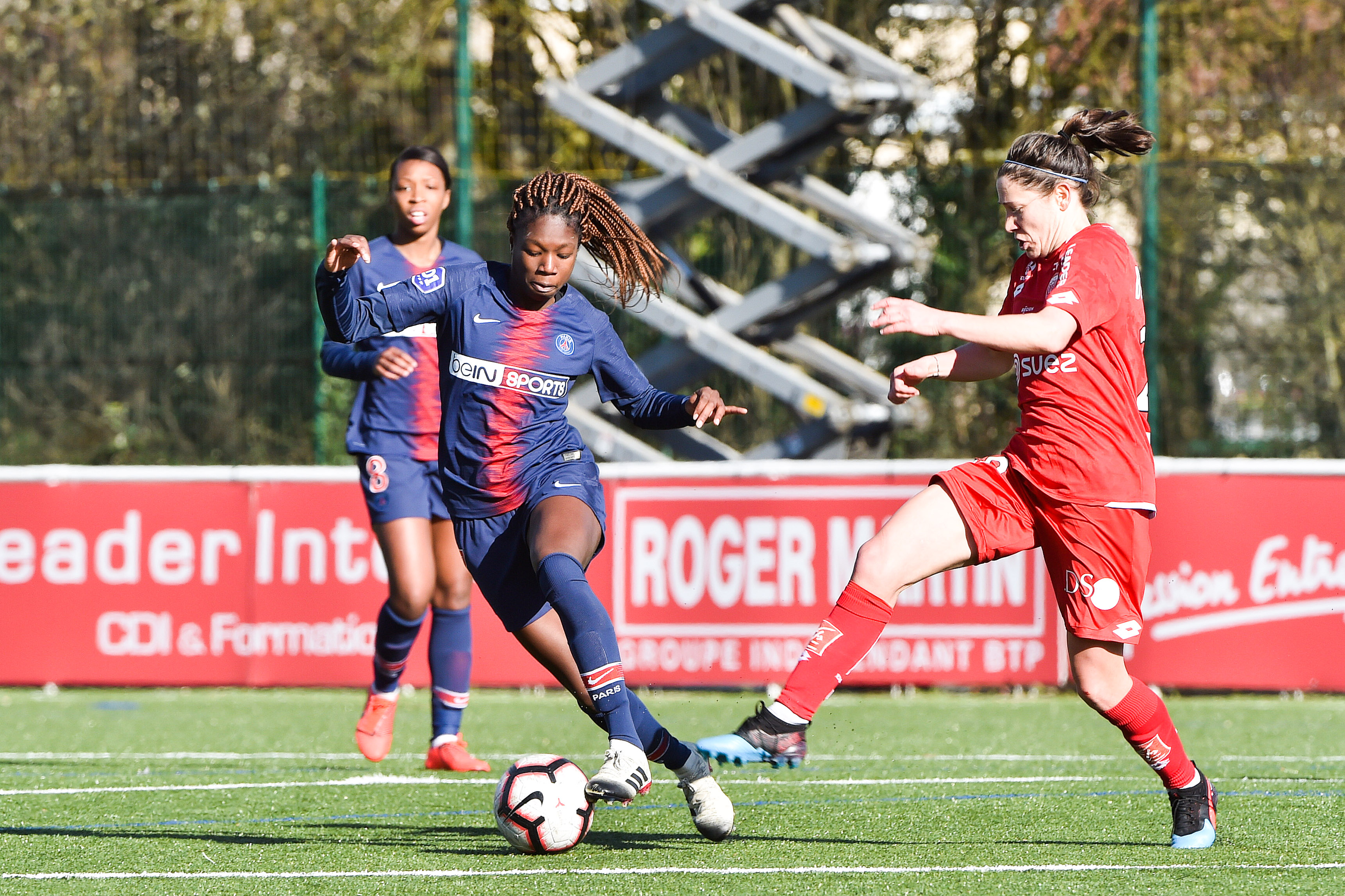 Dijon FCO v Paris Saint Germain - Women's Division 1