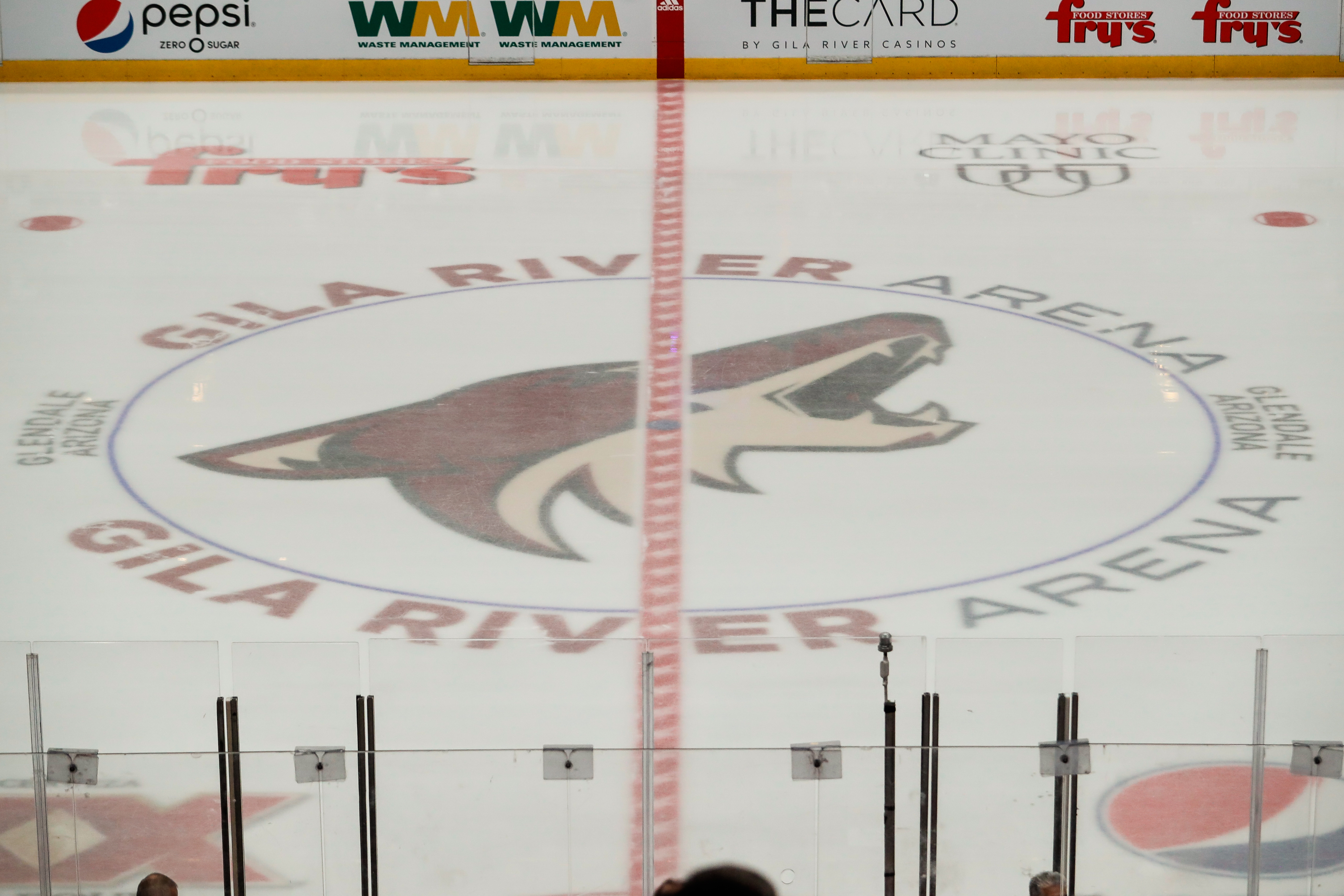 NHL: MAR 26 Blackhawks at Coyotes