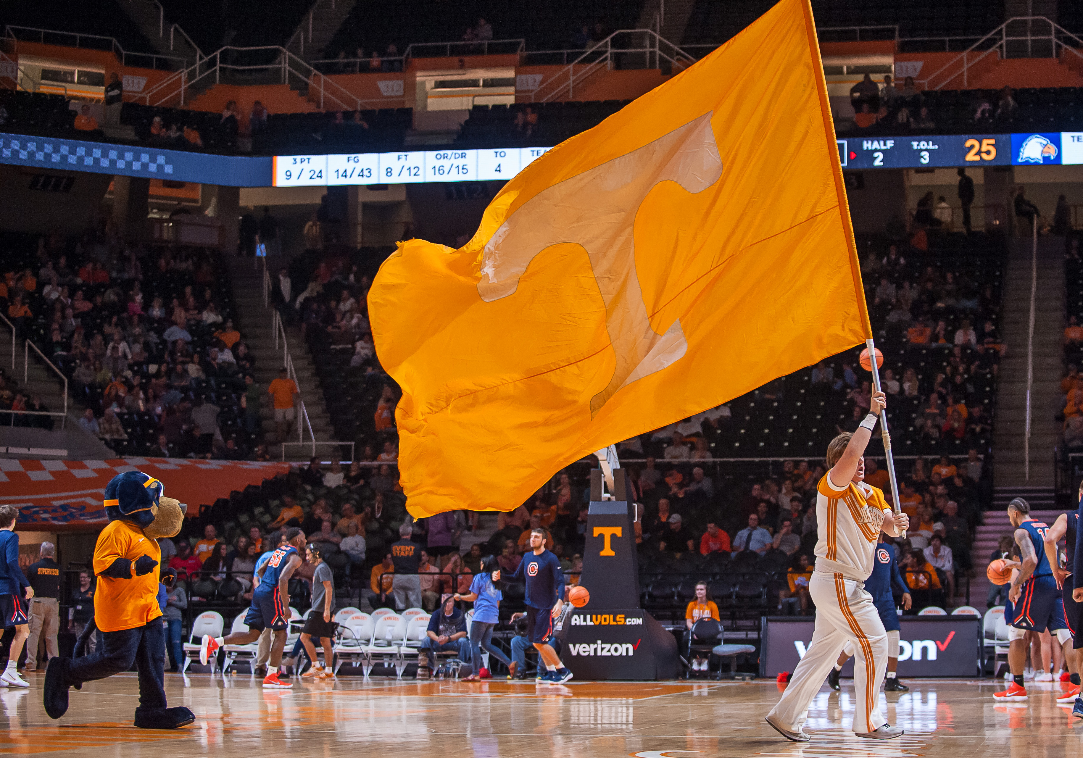 COLLEGE BASKETBALL: NOV 02 Caron-Newman at Tennessee