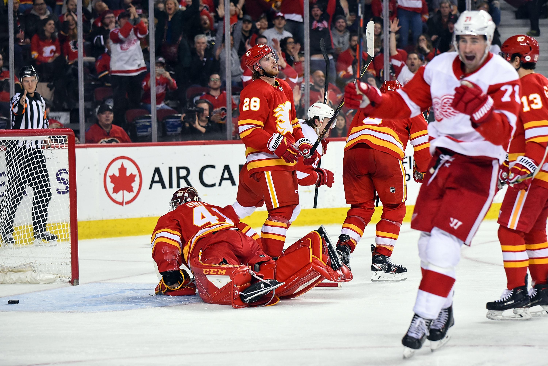 NHL: JAN 18 Red Wings at Flames