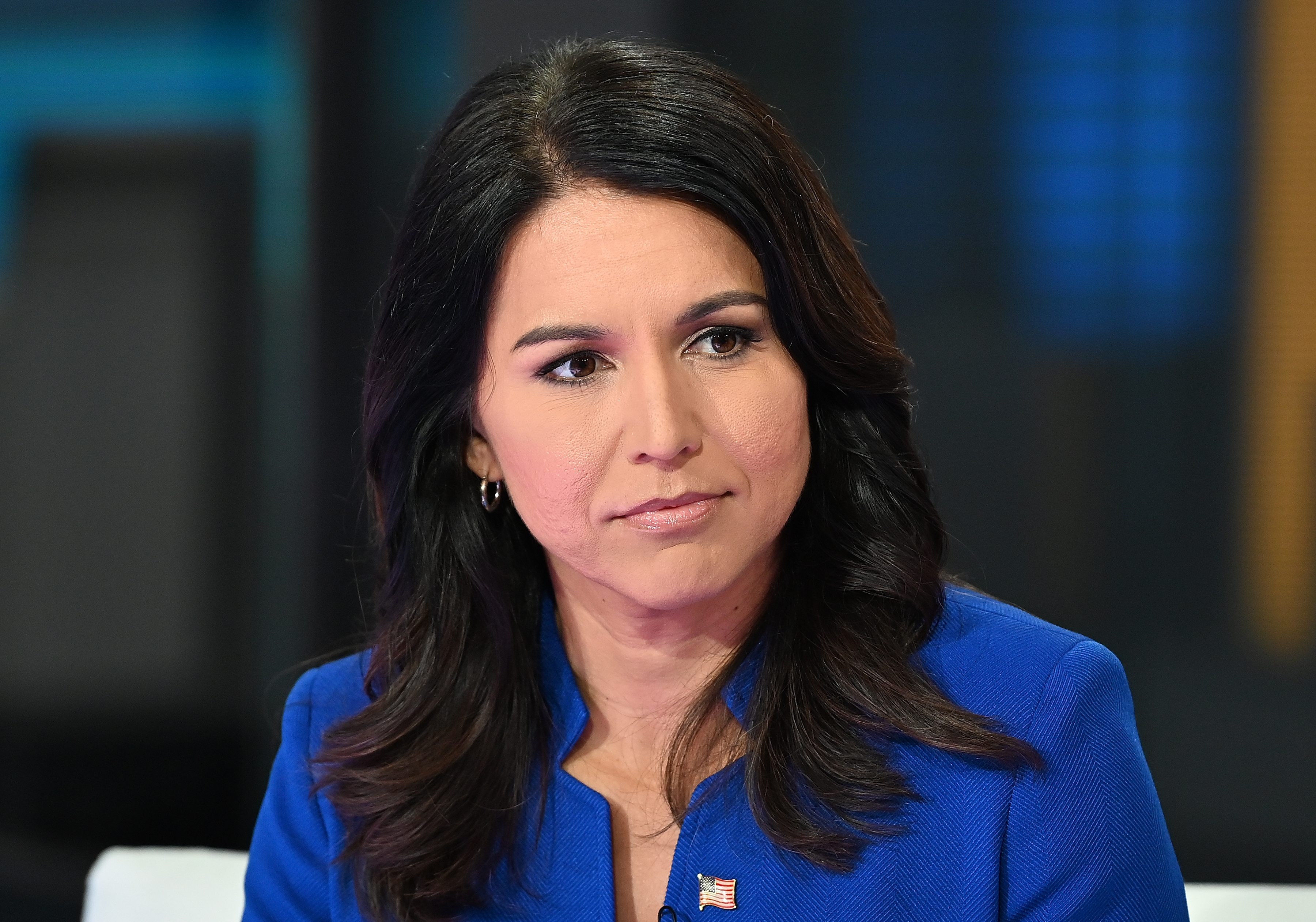 "Tulsi Gabbard calls Hillary Clinton ""the queen of warmongers"" in her latest clash with top Democrats"