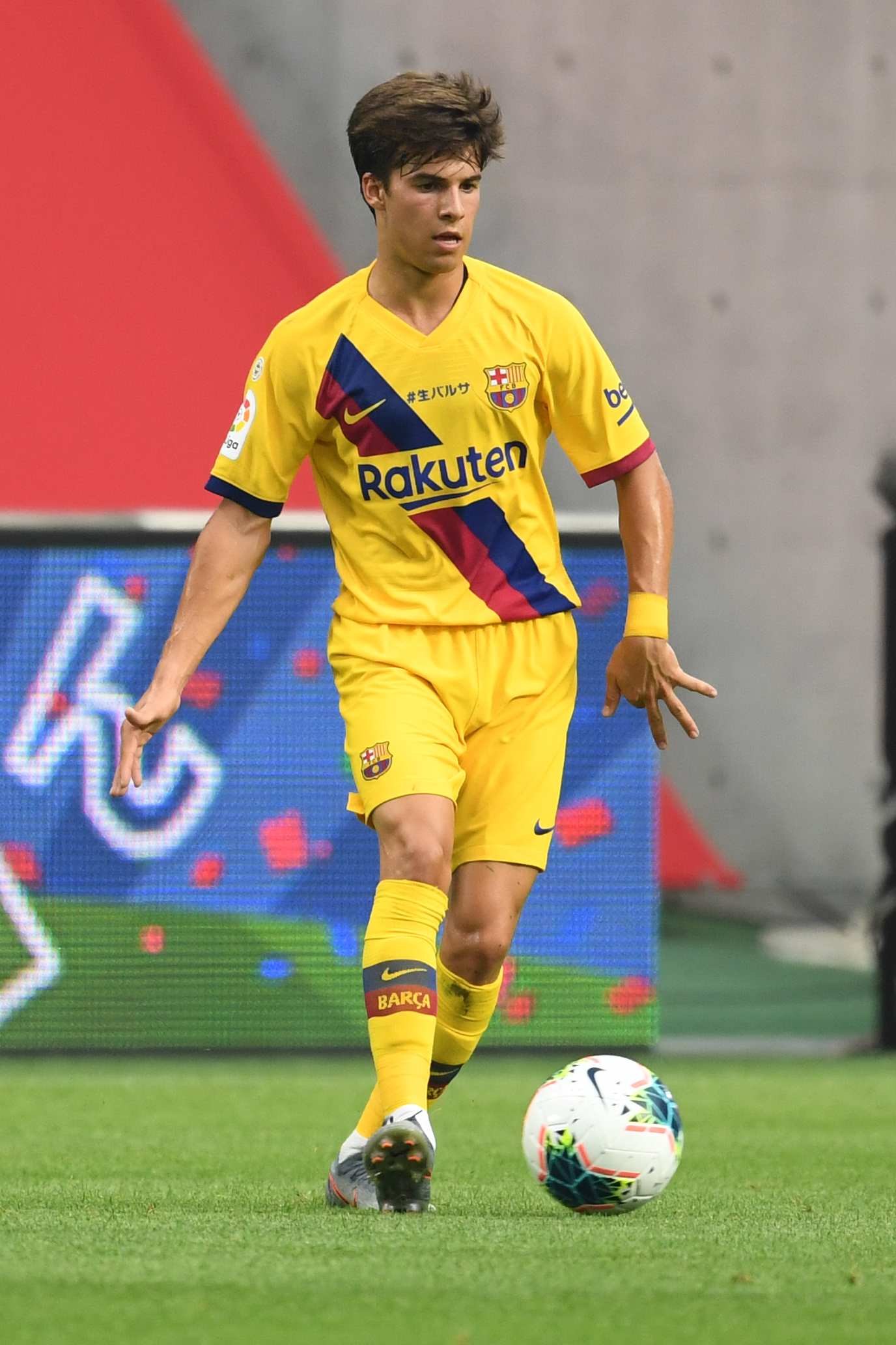 Vissel Kobe v Barcelona - Preseason Friendly