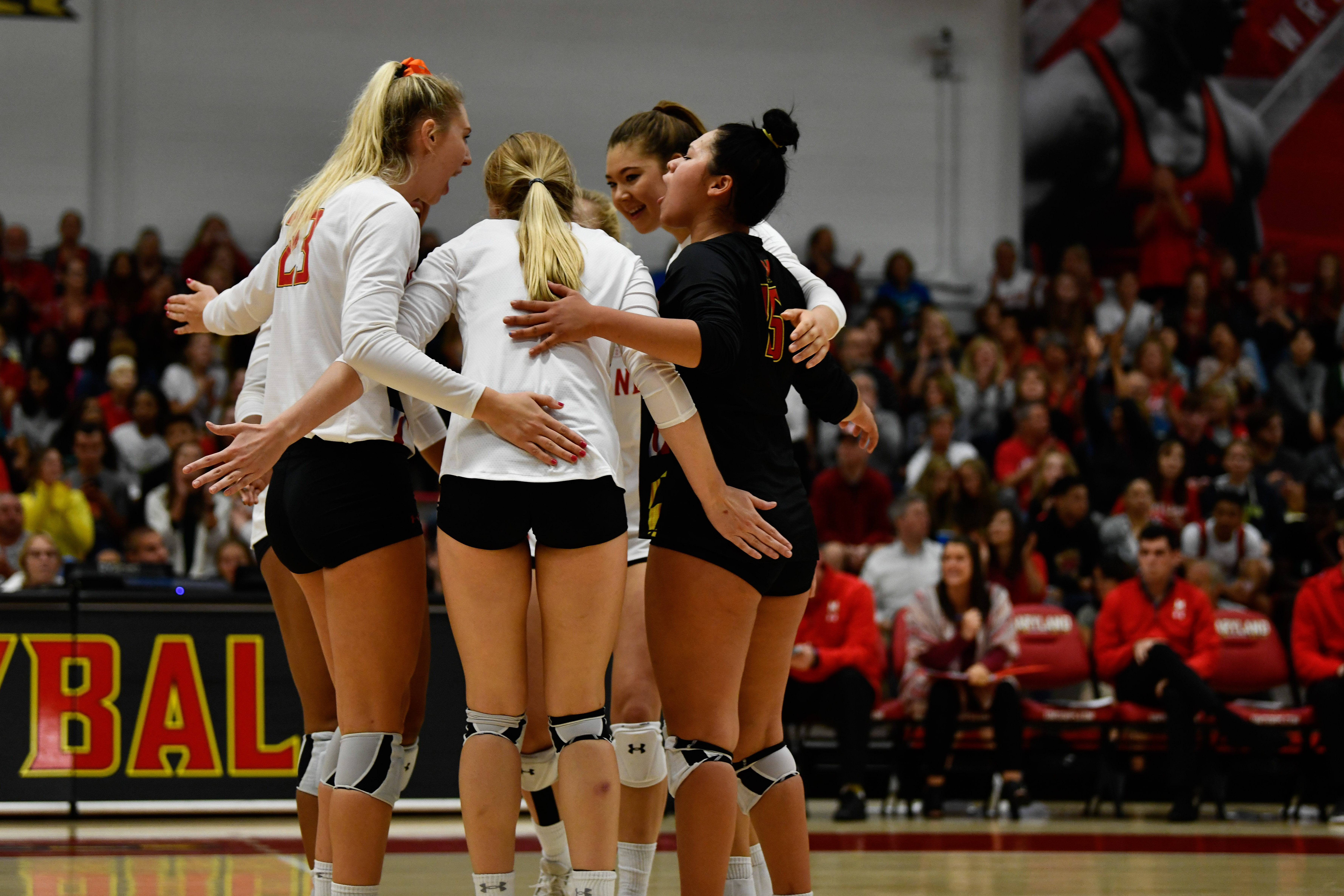 Maryland volleyball team huddle 2019