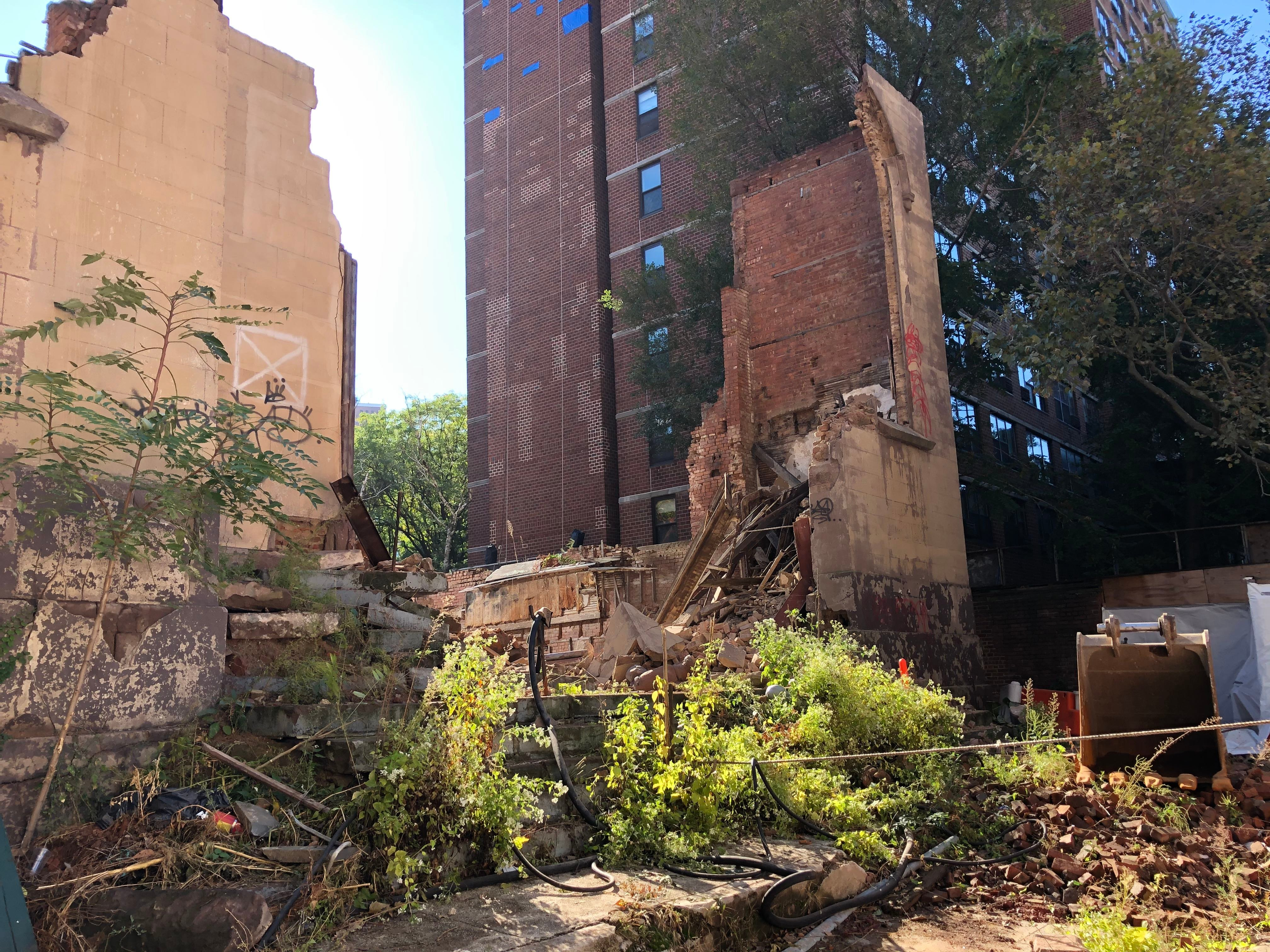 Wall collapses at fire-gutted Lower East Side synagogue: FDNY