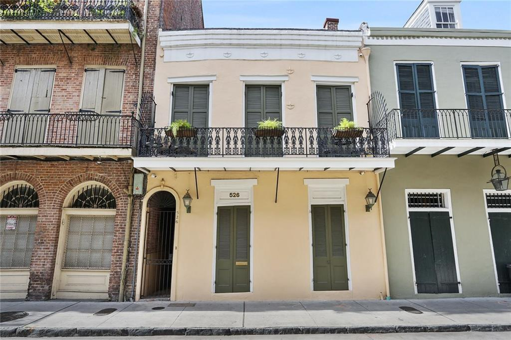 A 19th century French Quarter townhouse asks $1.2 million