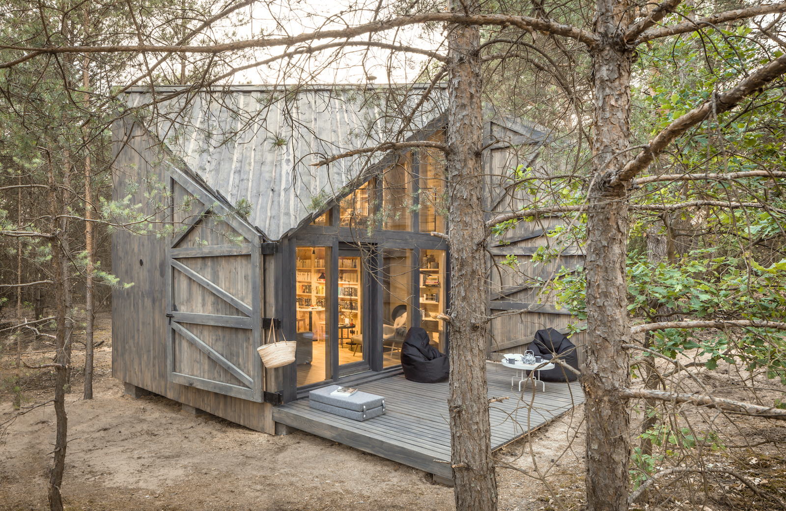 Cozy cabin was custom-designed for reading