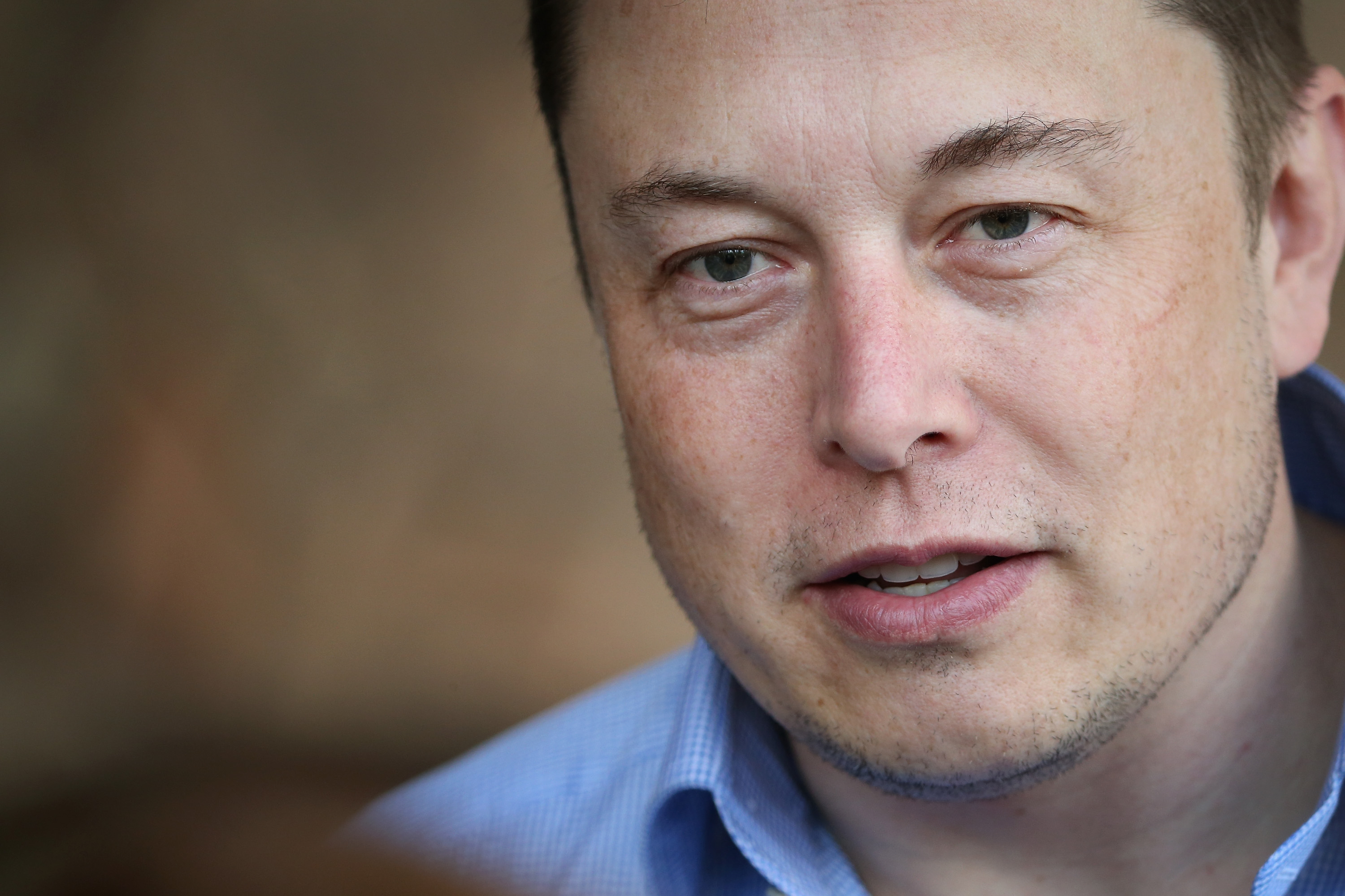 Elon Musk offers discounted solar panels and batteries after California blackouts