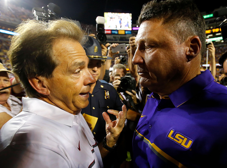 """<p zoompage-fontsize=""""15"""" style="""""""">Alabama v LSU"""