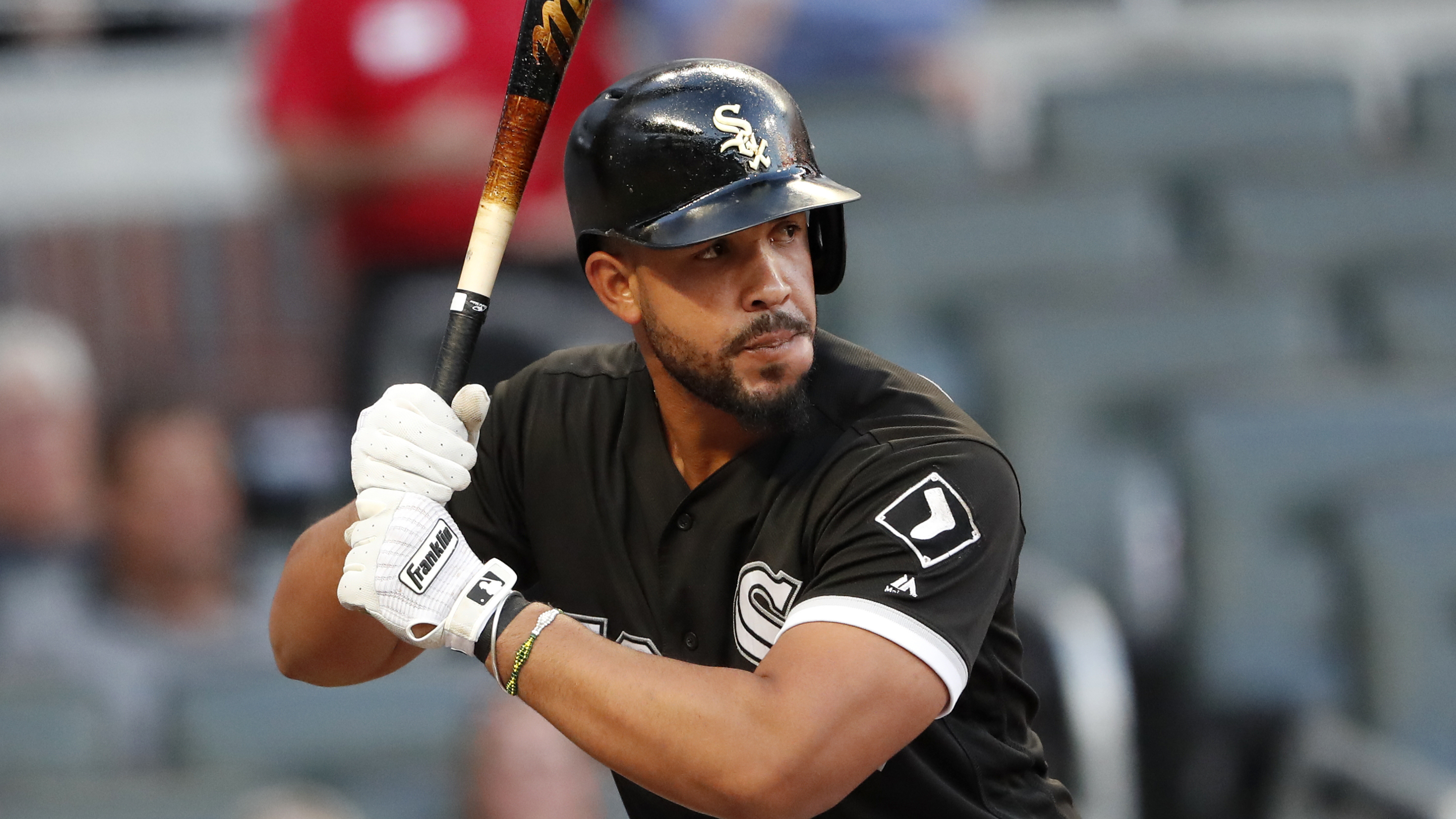 Both the White Sox and Jose Abreu have expressed interest in working out a deal that would bring the American League RBI leader back for at least another season.