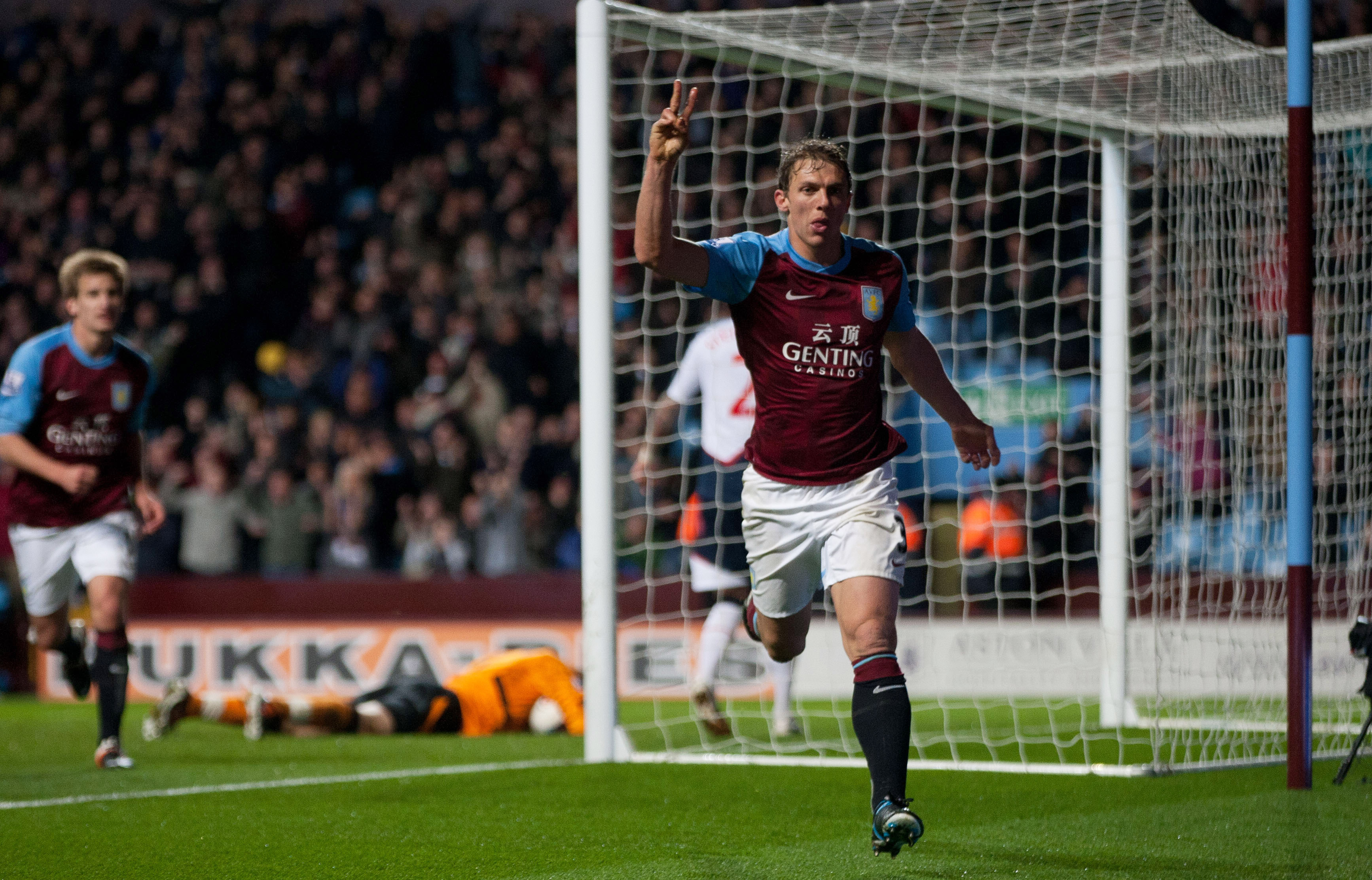 """""""Does anyone want to apologise?"""": Stephen Warnock reflects on Villa under Gerard Houllier & more"""