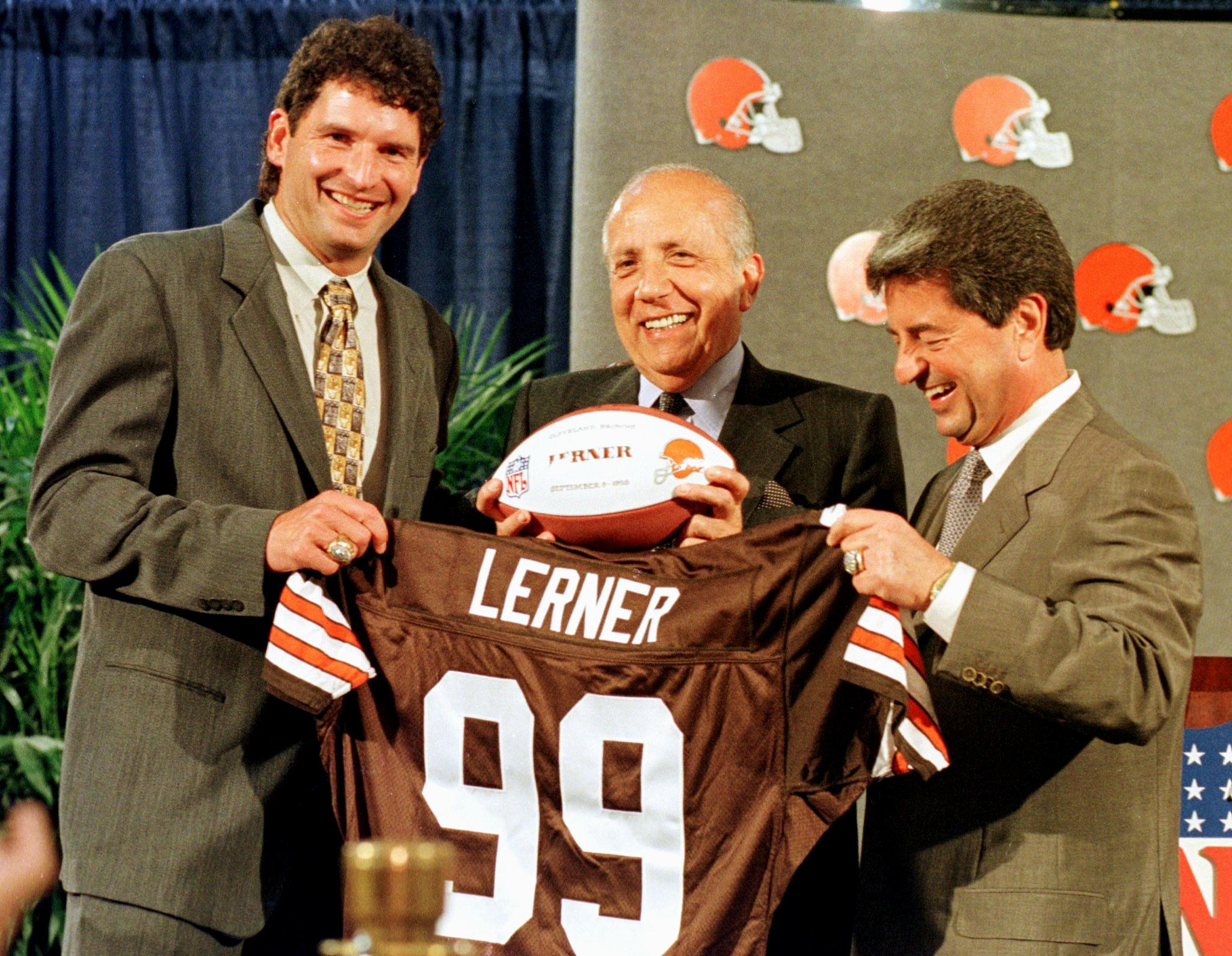 FBN-CLEVELAND BROWNS OWNERS-1