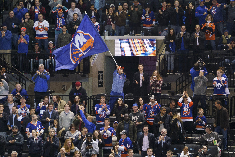 NHL: NOV 05 Senators at Islanders