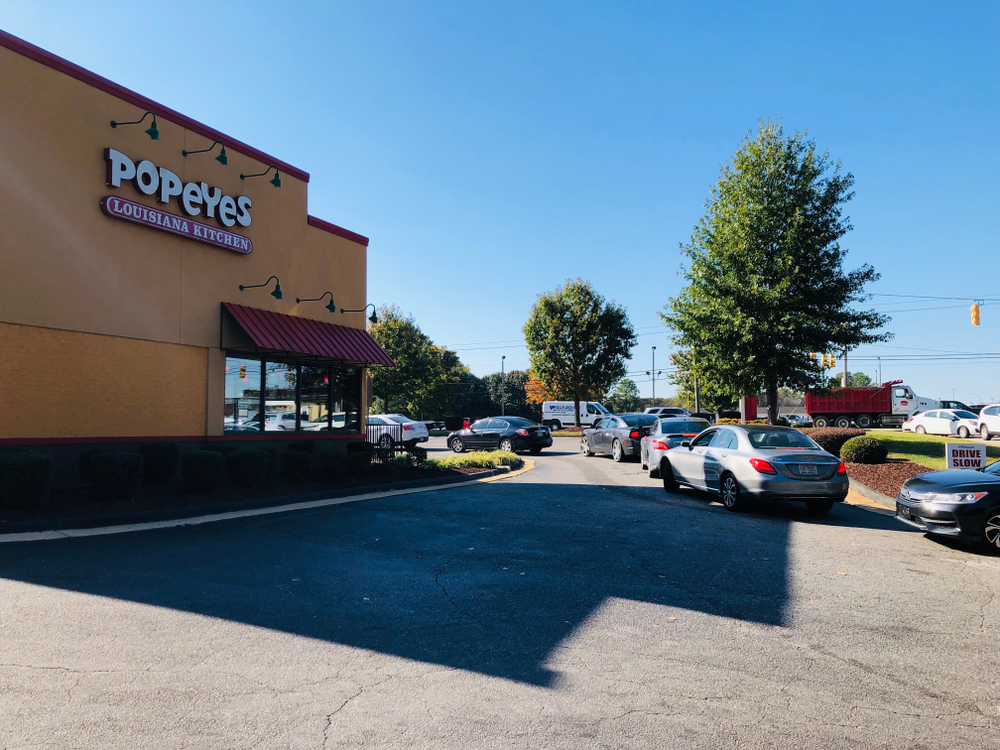 Line of cars at Popeyes for its new chicken sandwich in North Carolina