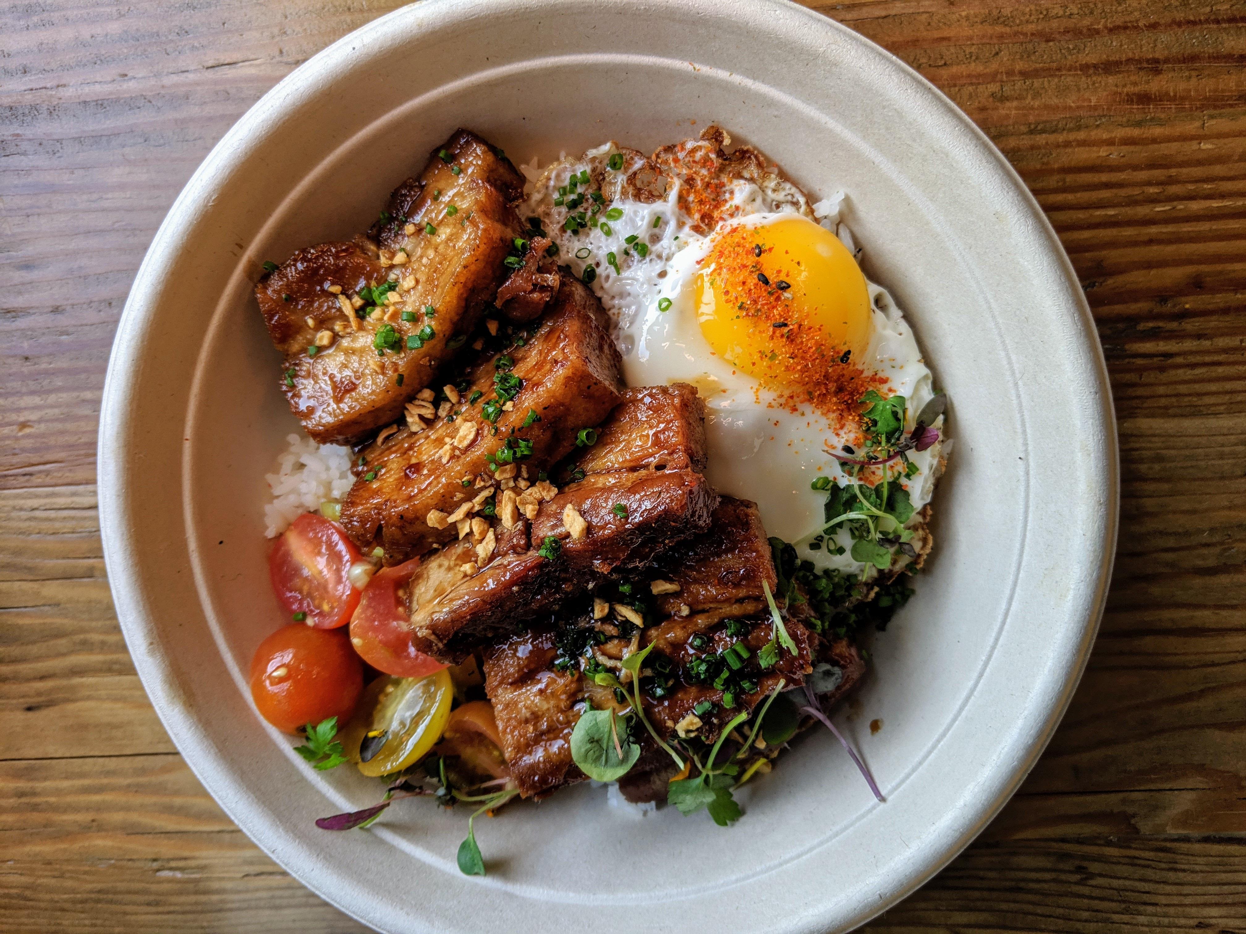 Critic Praises the Pork Dishes at Silver Lake's Hot New Filipino Restaurant