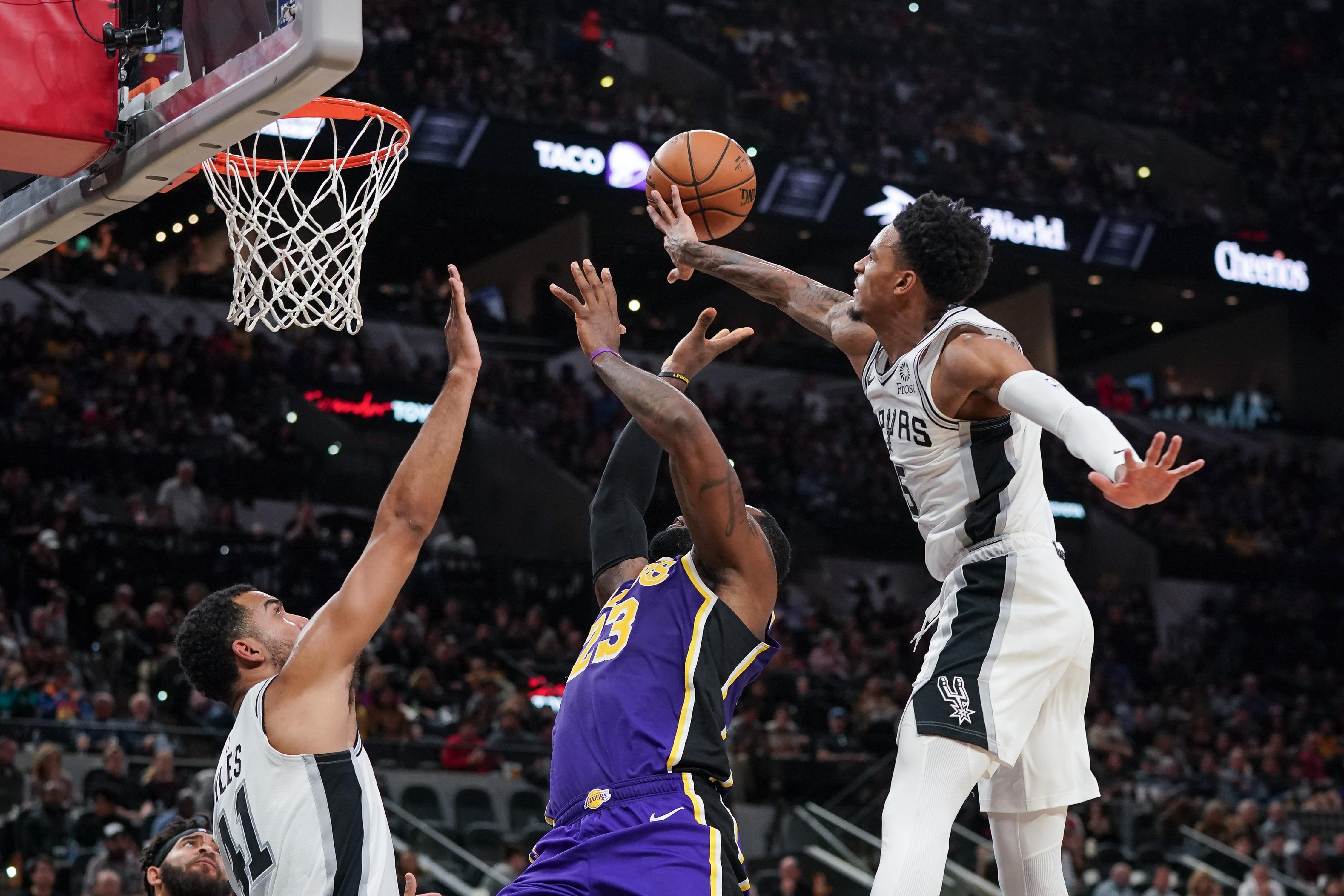 NBA: Los Angeles Lakers at San Antonio Spurs