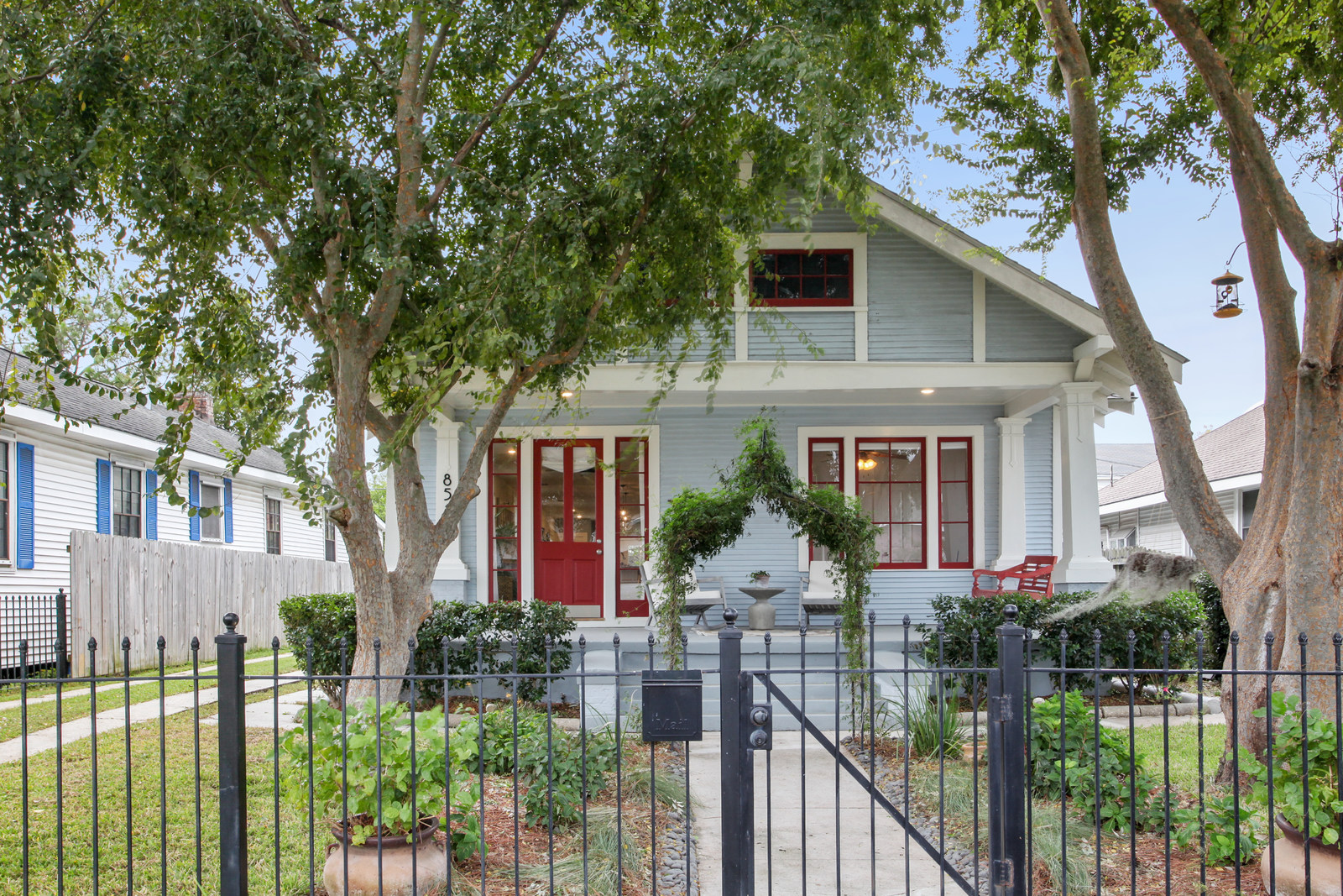 A renovated West Carrollton cottage wants $350K