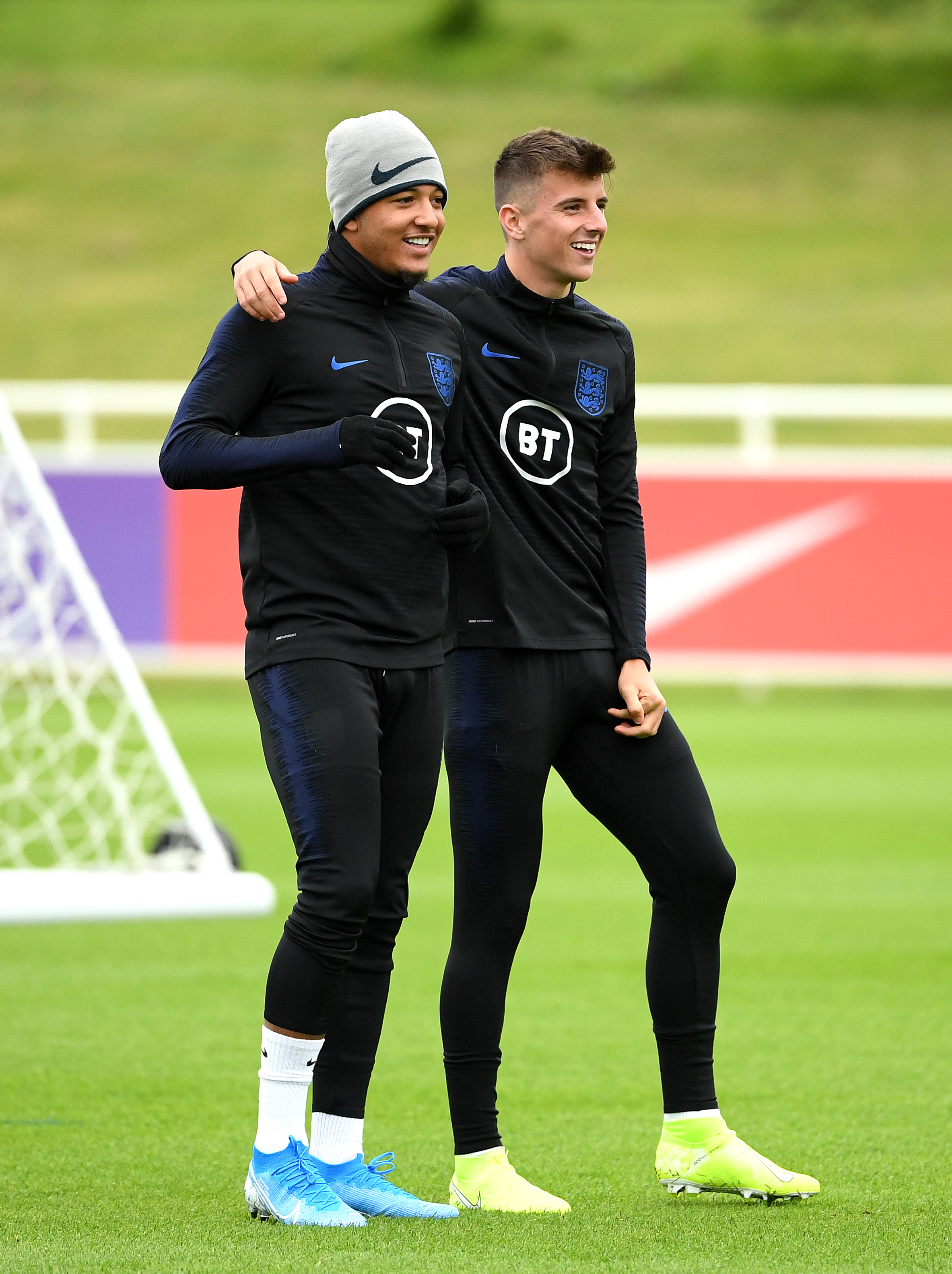 Jadon Sancho idolized Lampard, Drogba, Ronaldinho so obviously he's joining Chelsea