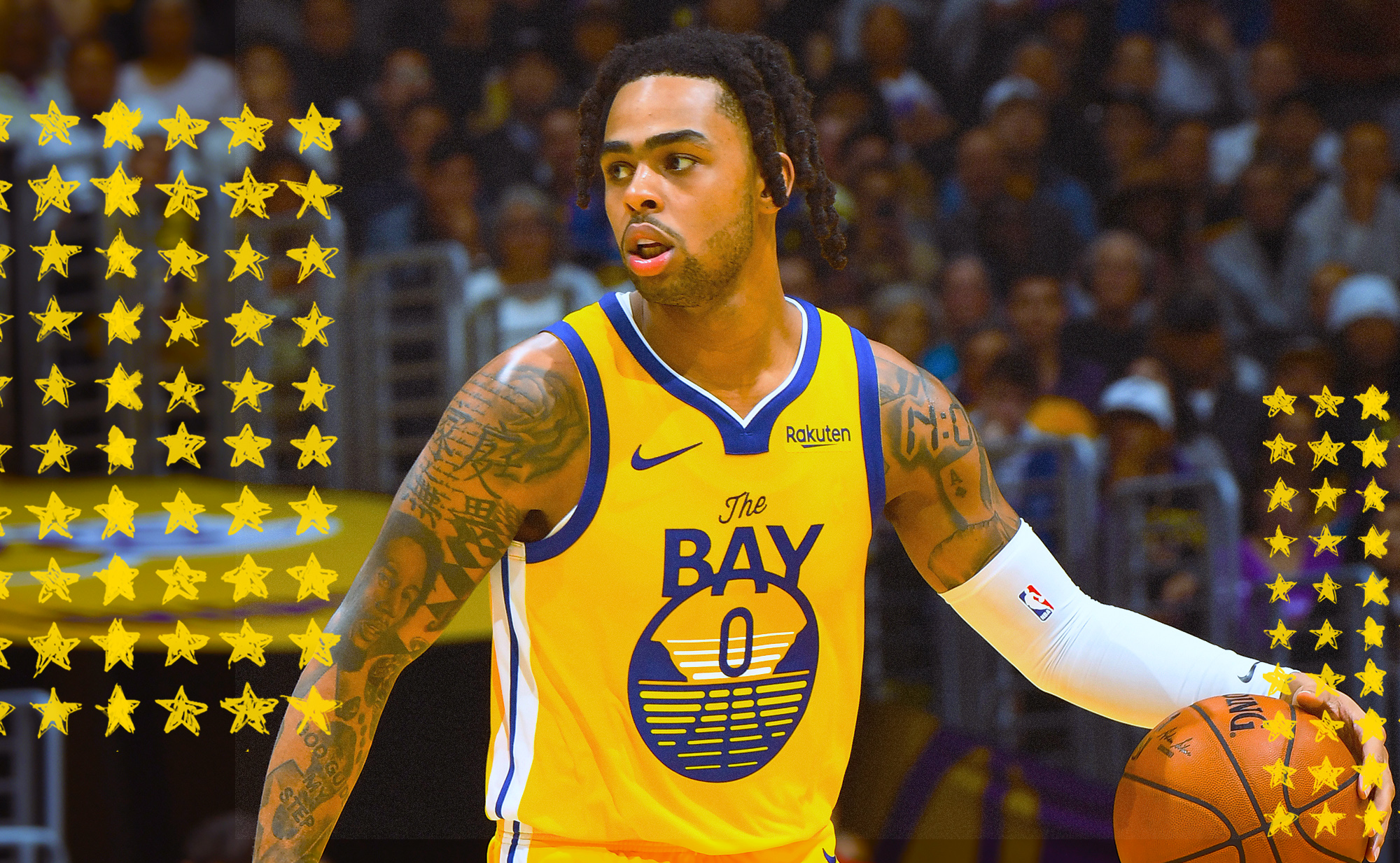 D'Angelo Russell dribbles for the Warriors.