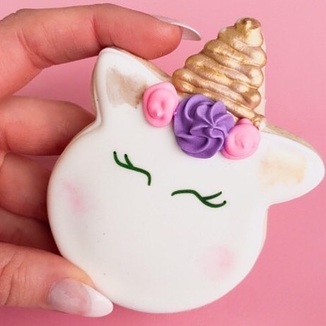 A unicorn cookie