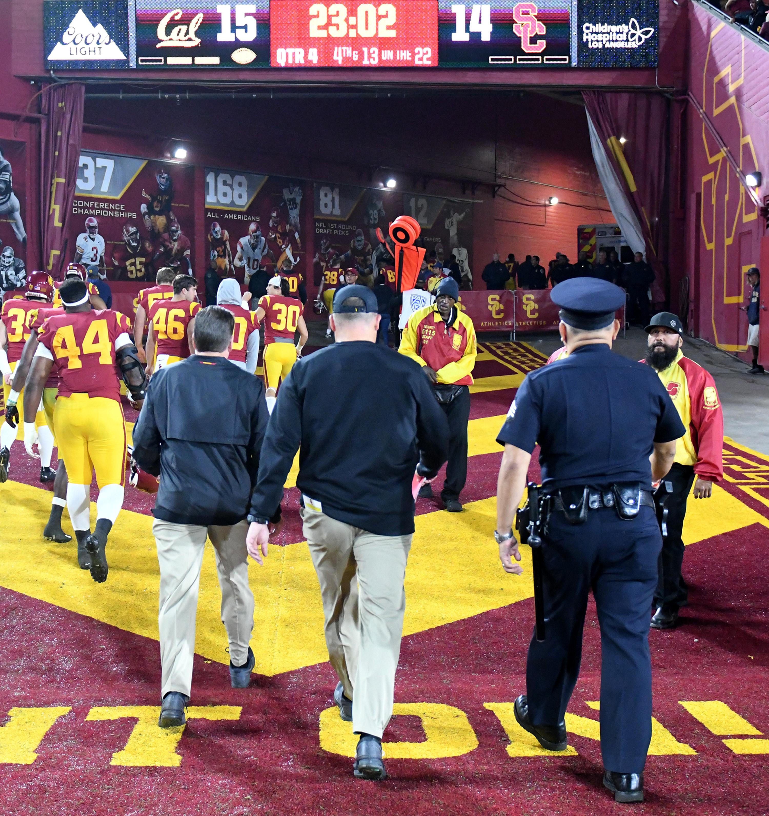 California Golden Bears defeated the USC Trojans 15-14