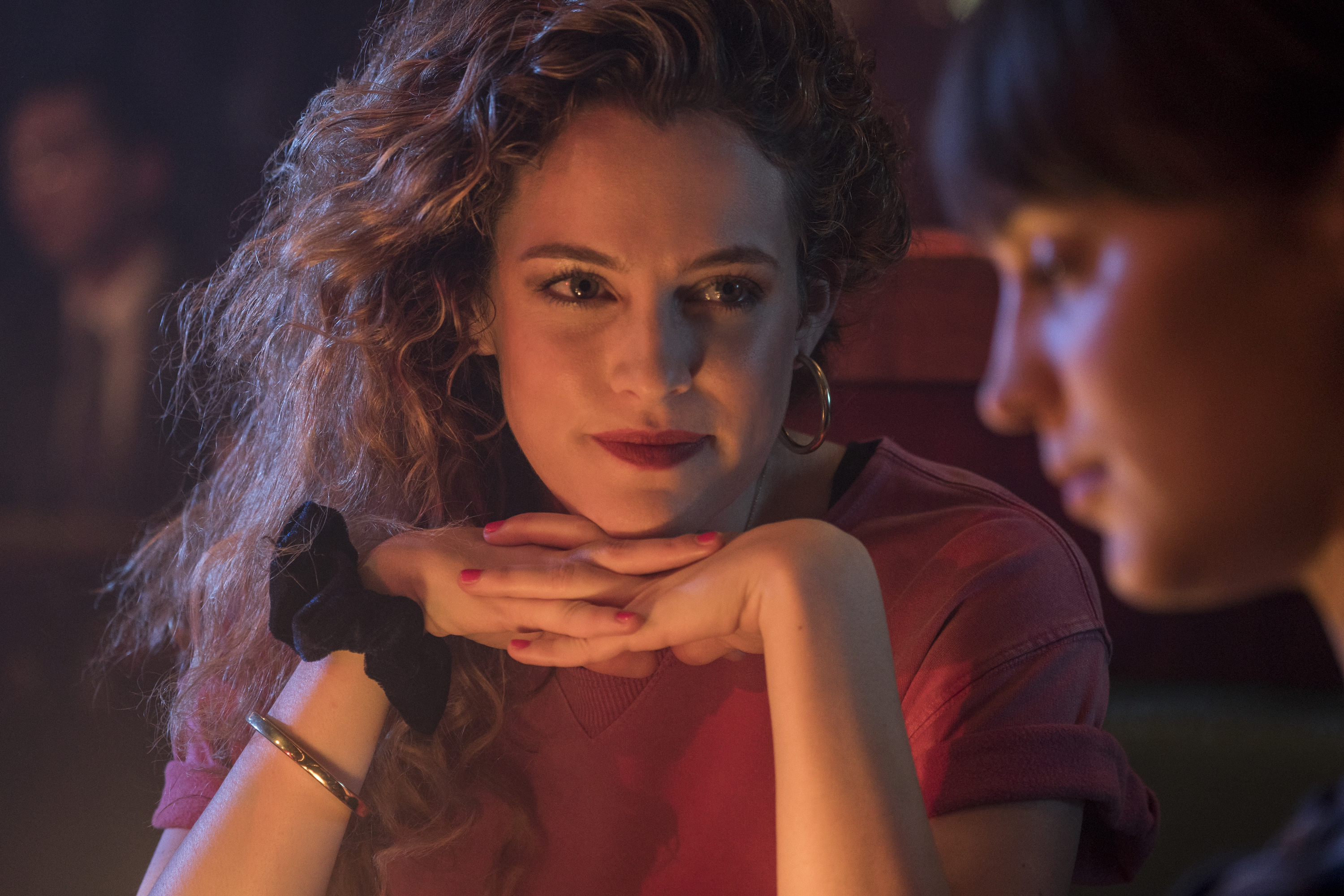 Lily (Keough) looks fondly at Lucy (Vikander).